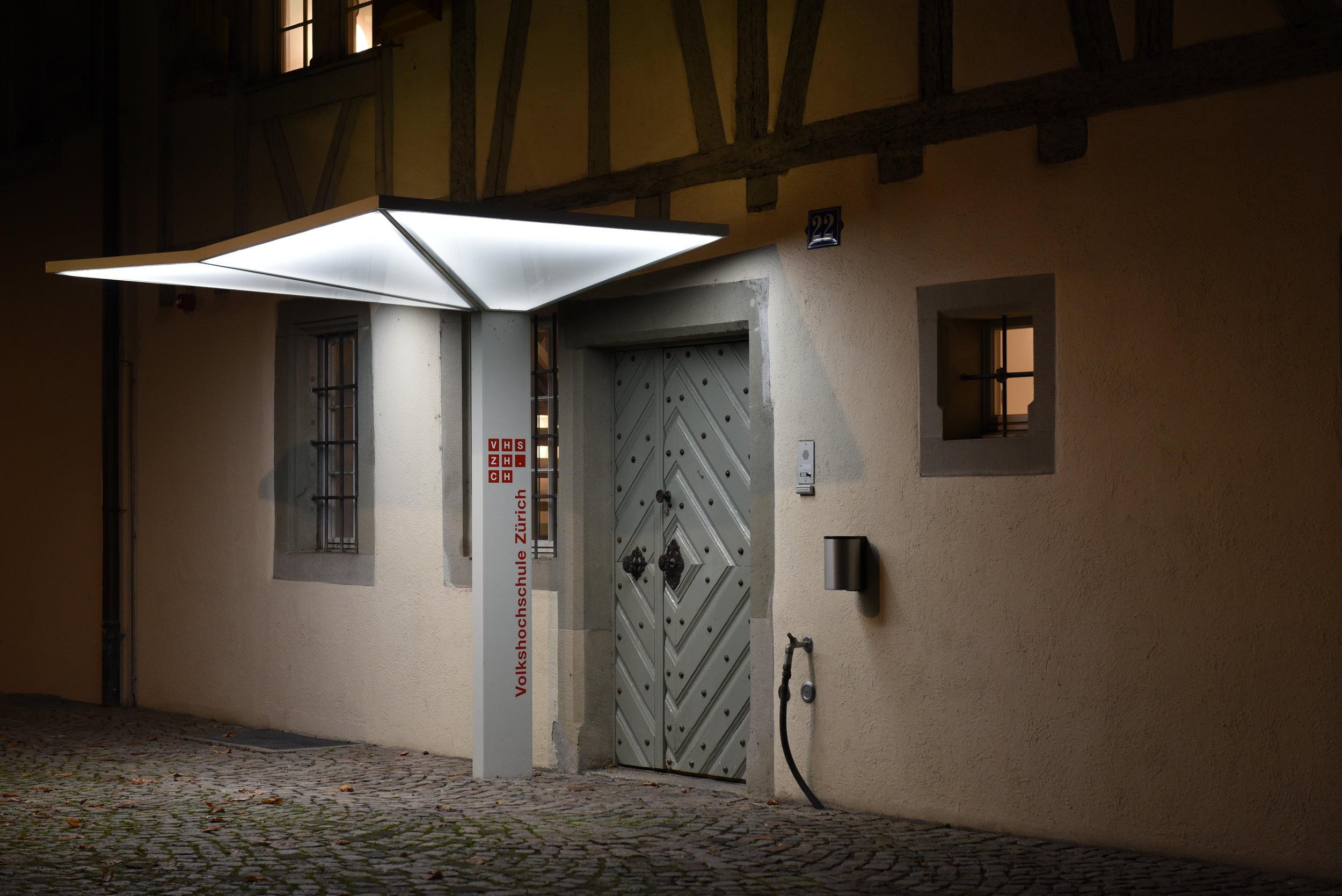 3D Vordach mit LED-Beleuchtung