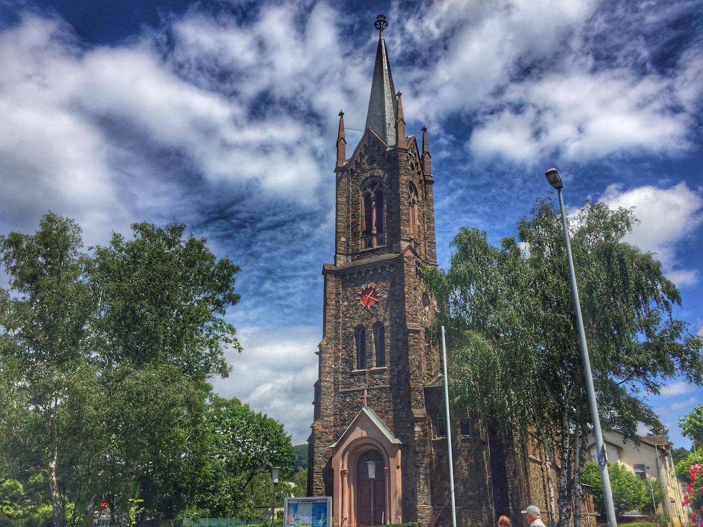 Rheinquartier_Pfarrkirche.jpg