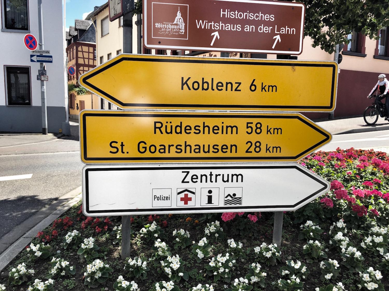 Rheinquartier_Straßenschild.jpg