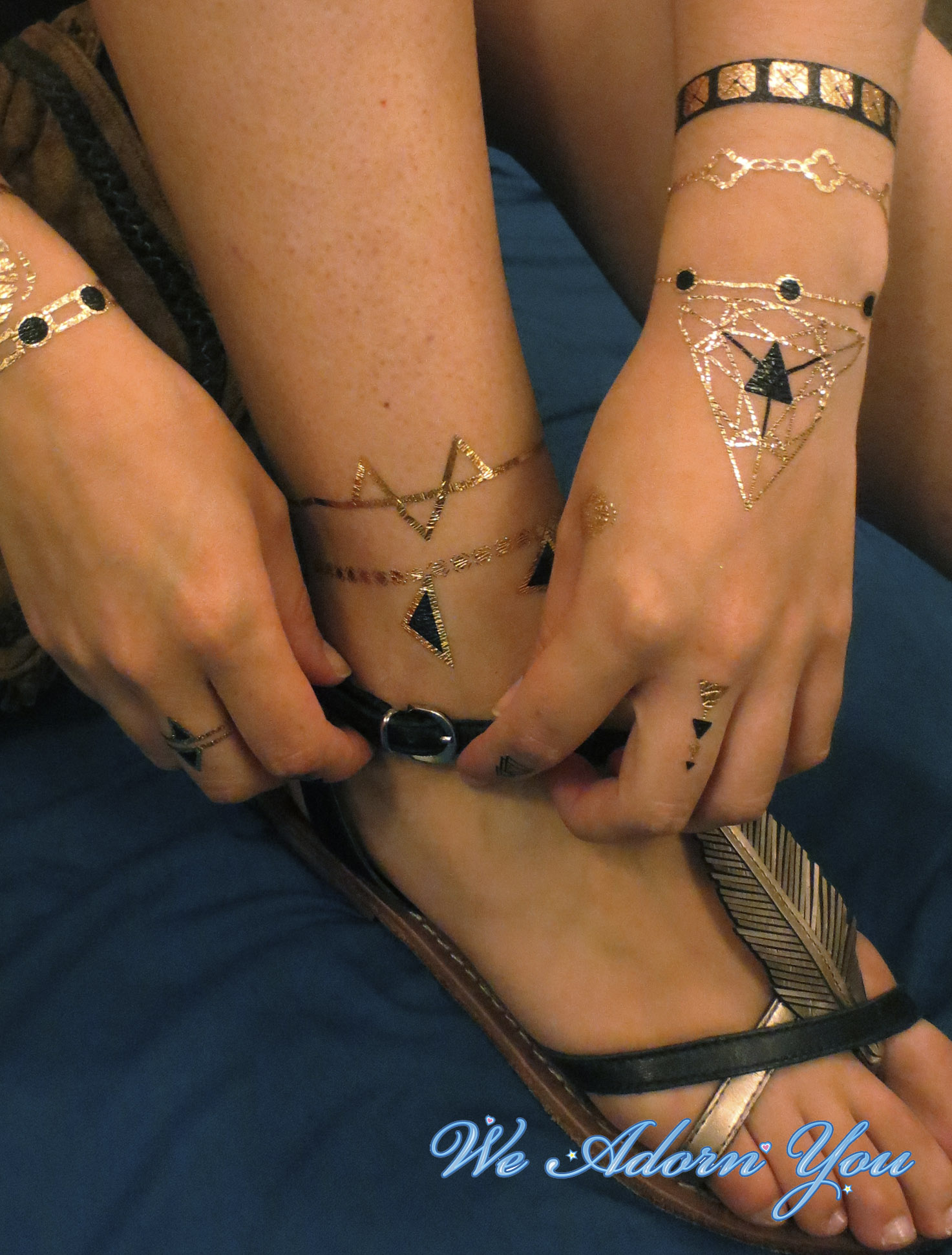 Flash Tattoo Hippie - We Adorn You.jpg