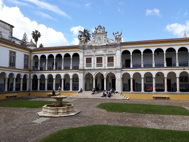 La magnifique université d'Évora, décor prestigieux de la conférence