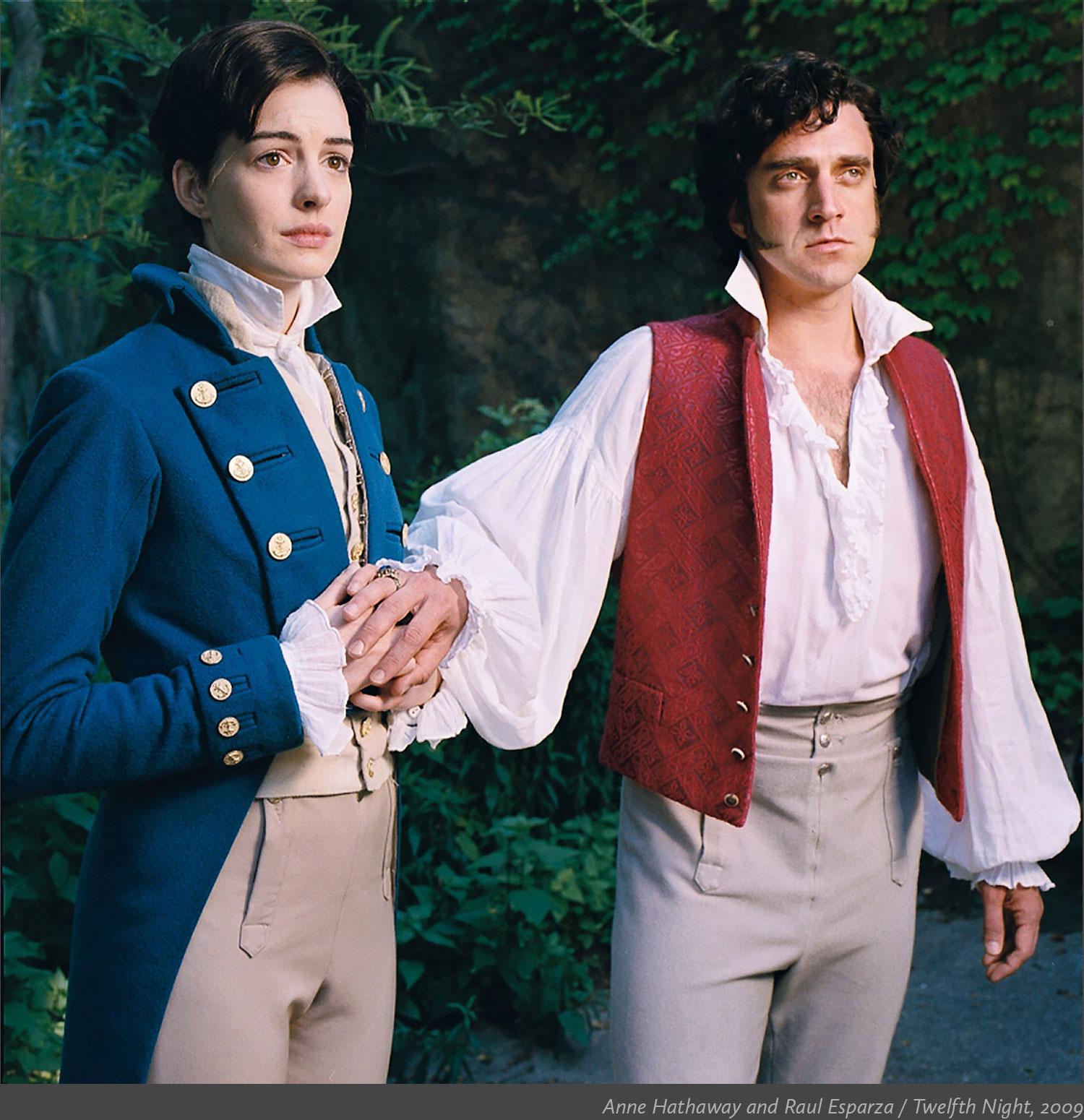 20_Anne-Hathaway-and-Raul-Esparza_Twelfth-Night-2009.jpg