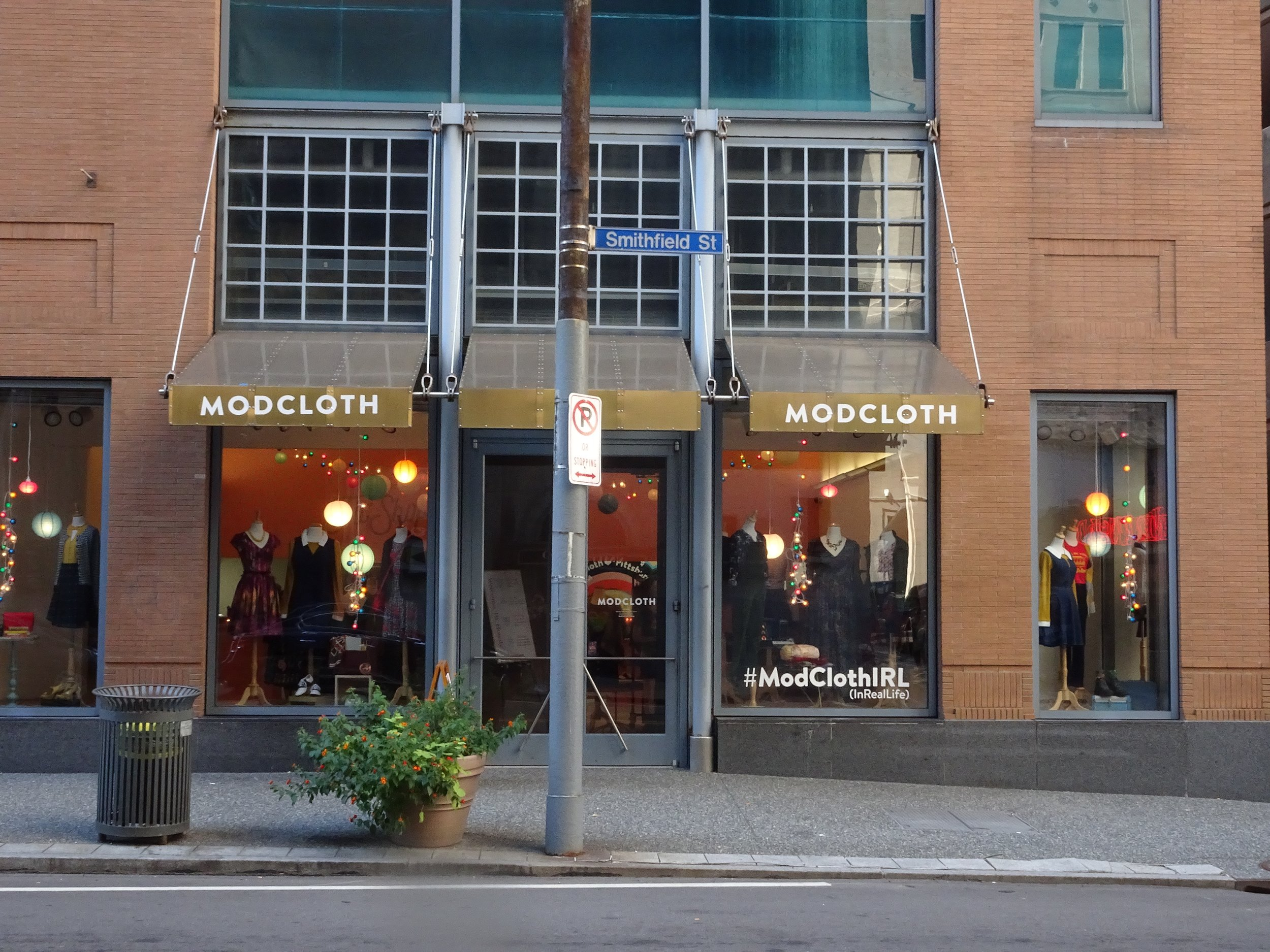 MODCLOTH IRL, PITTSBURGH, M.QUIGLEY