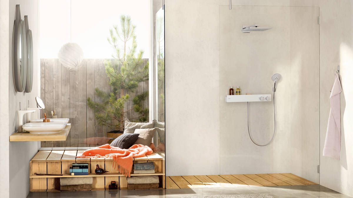 us_rainmaker-select-460-1jet-overhead-shower_showertablet-600_ambience_16x9.jpg