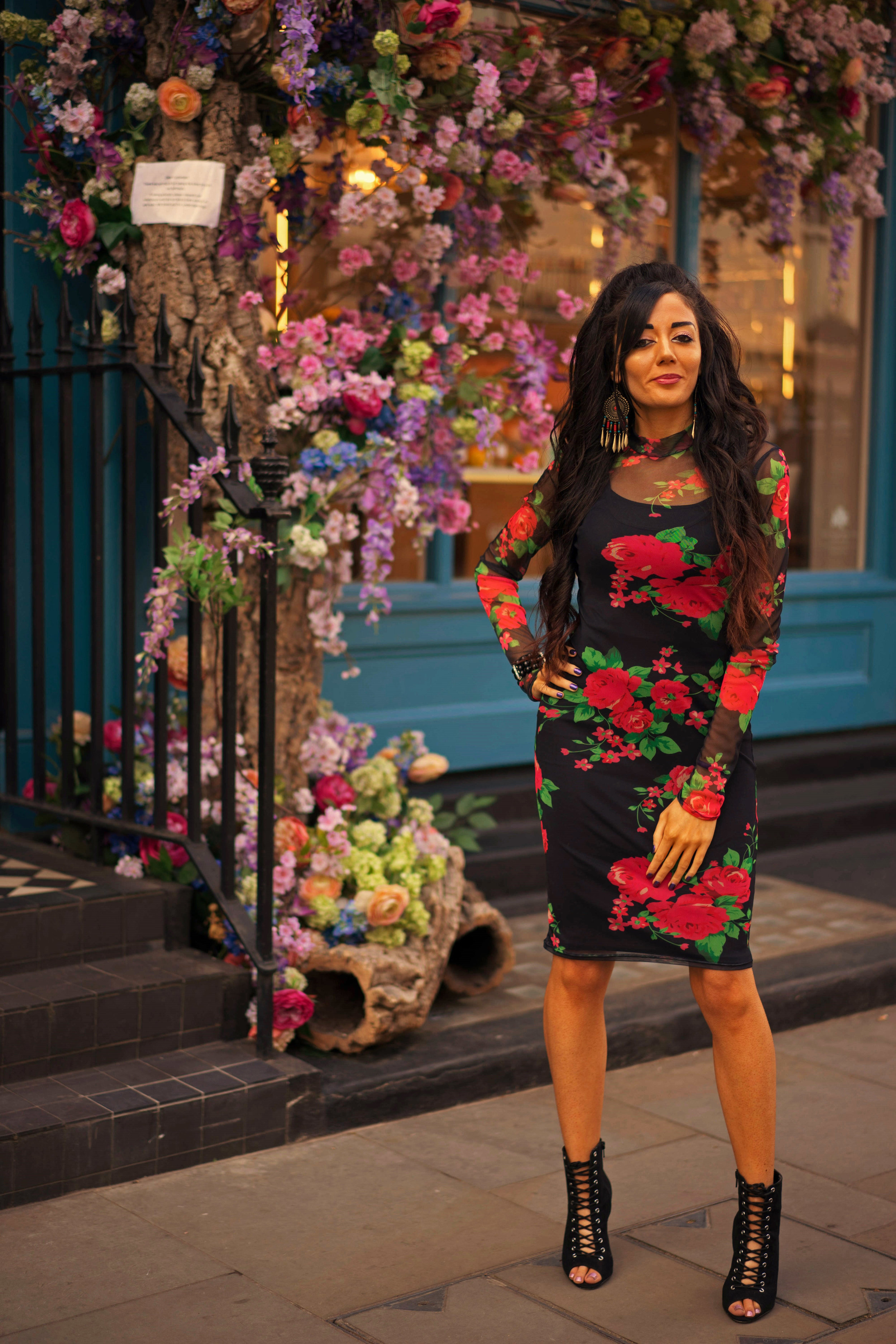London flower display - fashion inspo