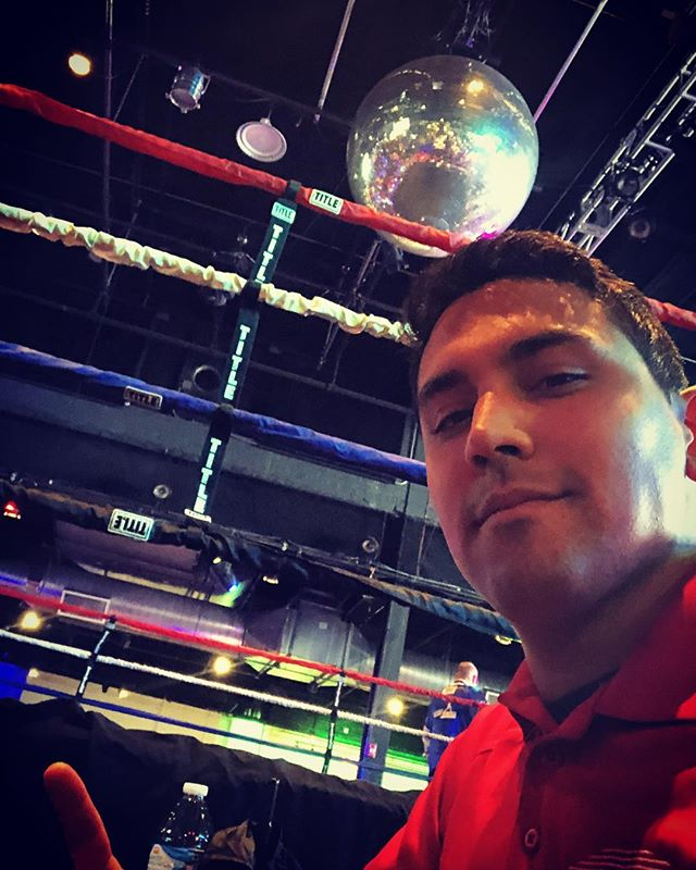 Is he going to dance or fight.... it's anyone's guess. What I do know is it's always fun to be working some boxing! . . . . #fightnight #exdoeventcenter #boxing #discoball #dingding #stadiummedical #bestplacetowork #eventmedical #emslife #paramedic #emt #specialevents