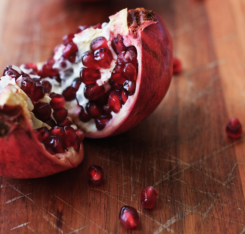 Pomegranate  A juicy, dark, lush fruit concoction blended with a twist of orange and a sprinkle of cinnamon!