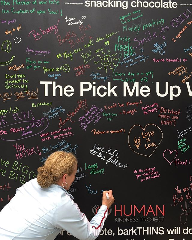 In the process of running errands, got to be part of #humankindness project when rep from @barkthins invited me to scrawl a fav motivational saying on their pop-up wall. #downtownliving #barkthins #greatcauses #mondaymotivation #toronto #becjager