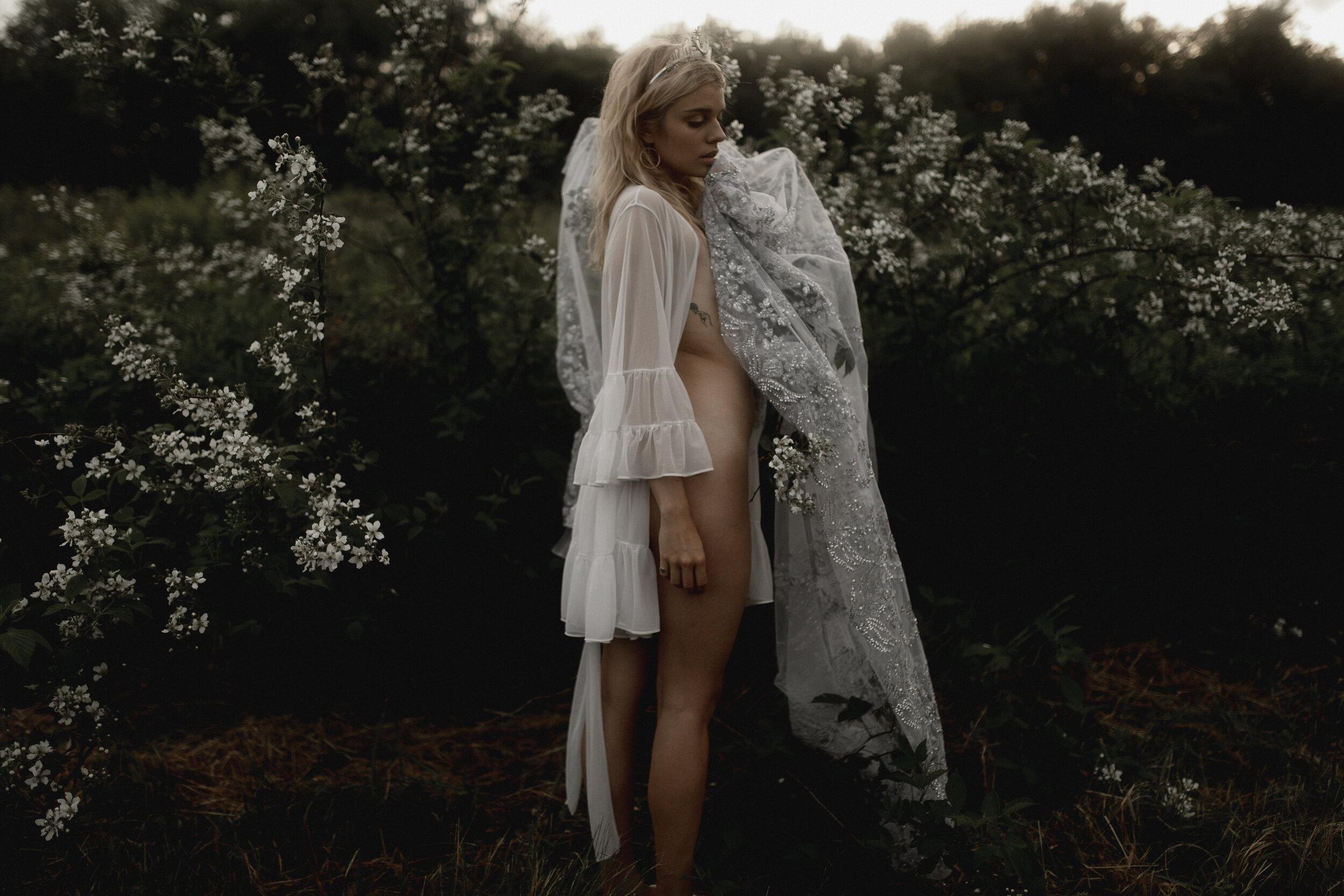 moon goddess boudoir session-311.jpg