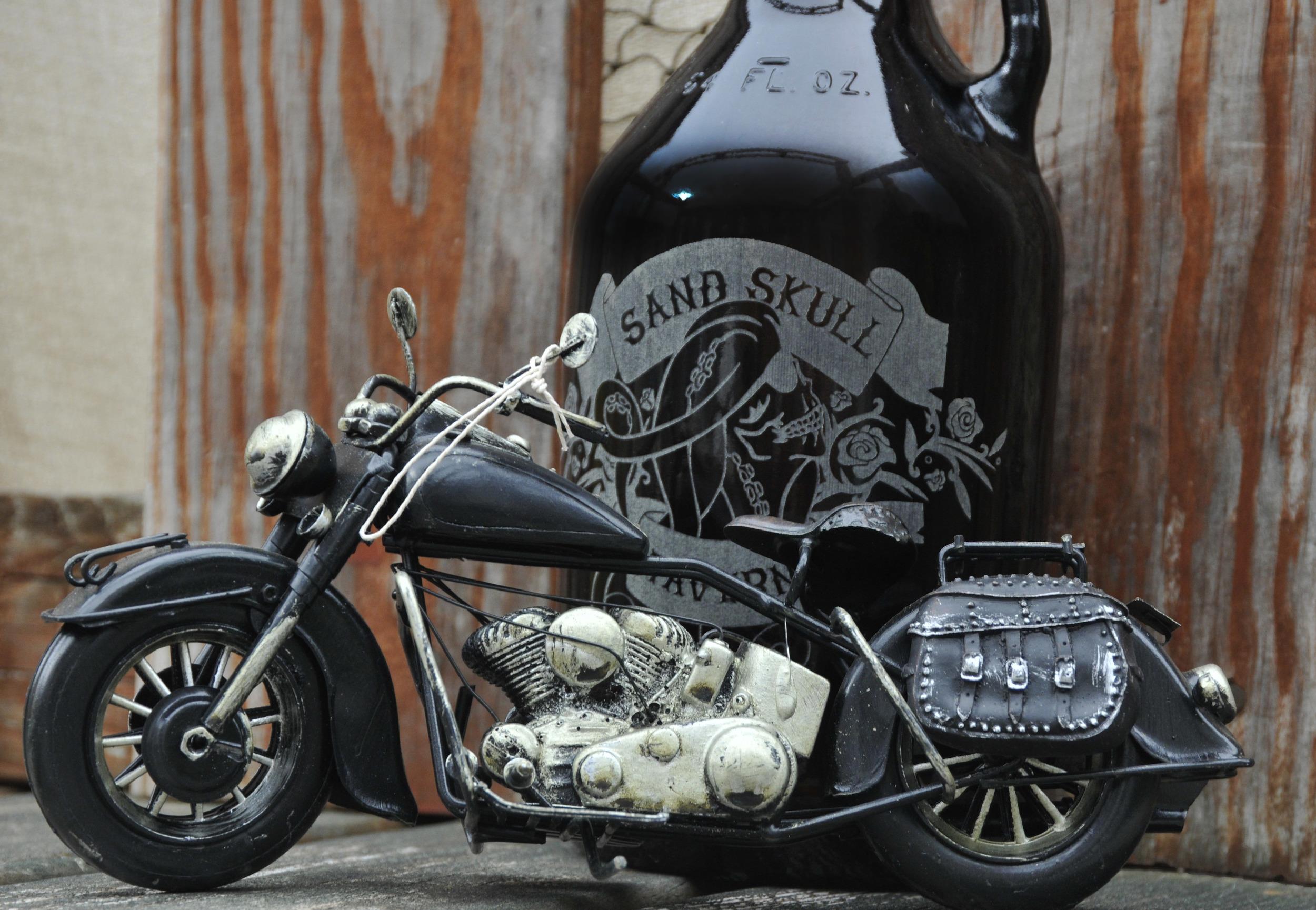 growler and bike.jpg