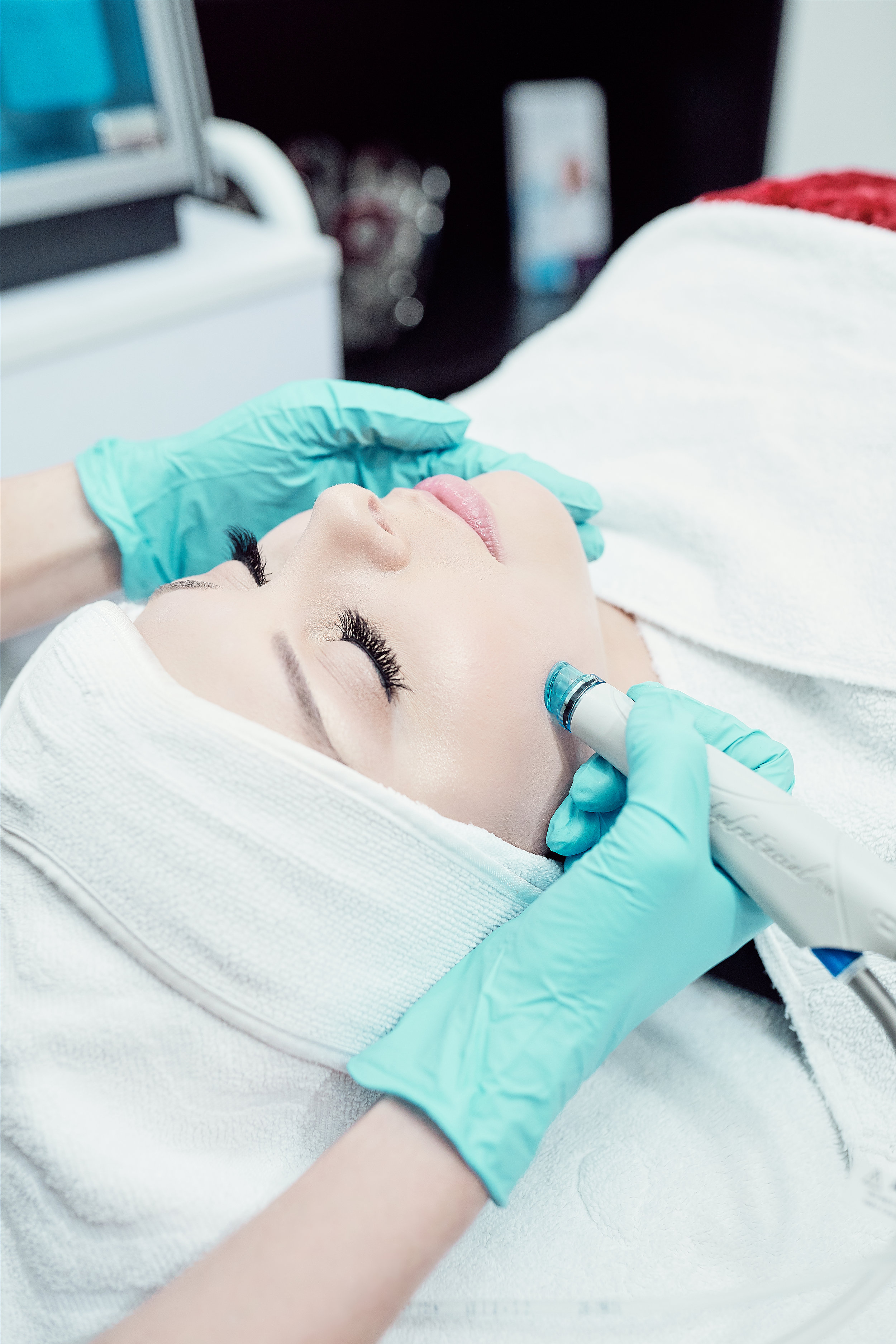 Hydrating & Antiaging Facials