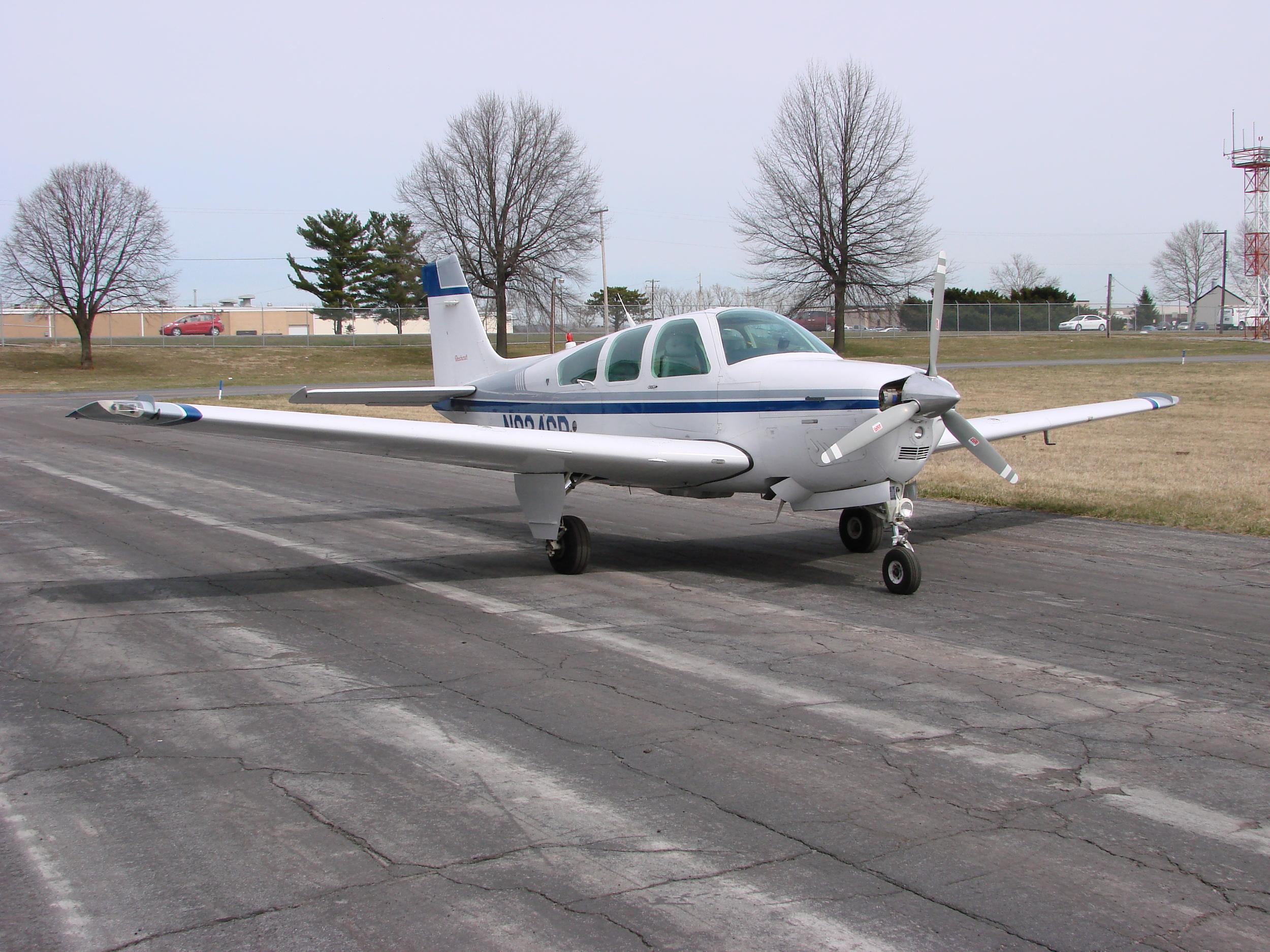 Beech F33A Bonanza