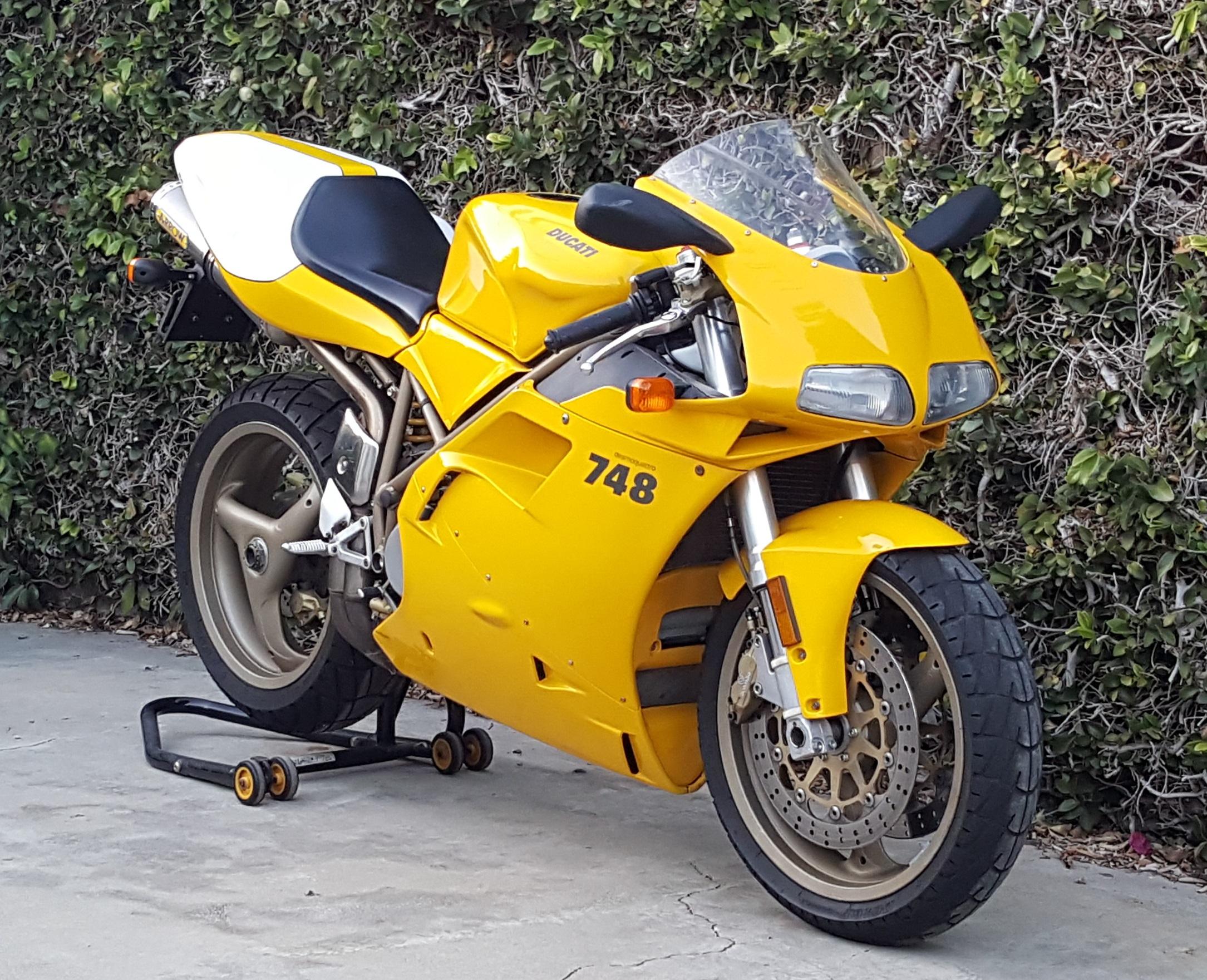 2000 Ducati 748/916 Restoration