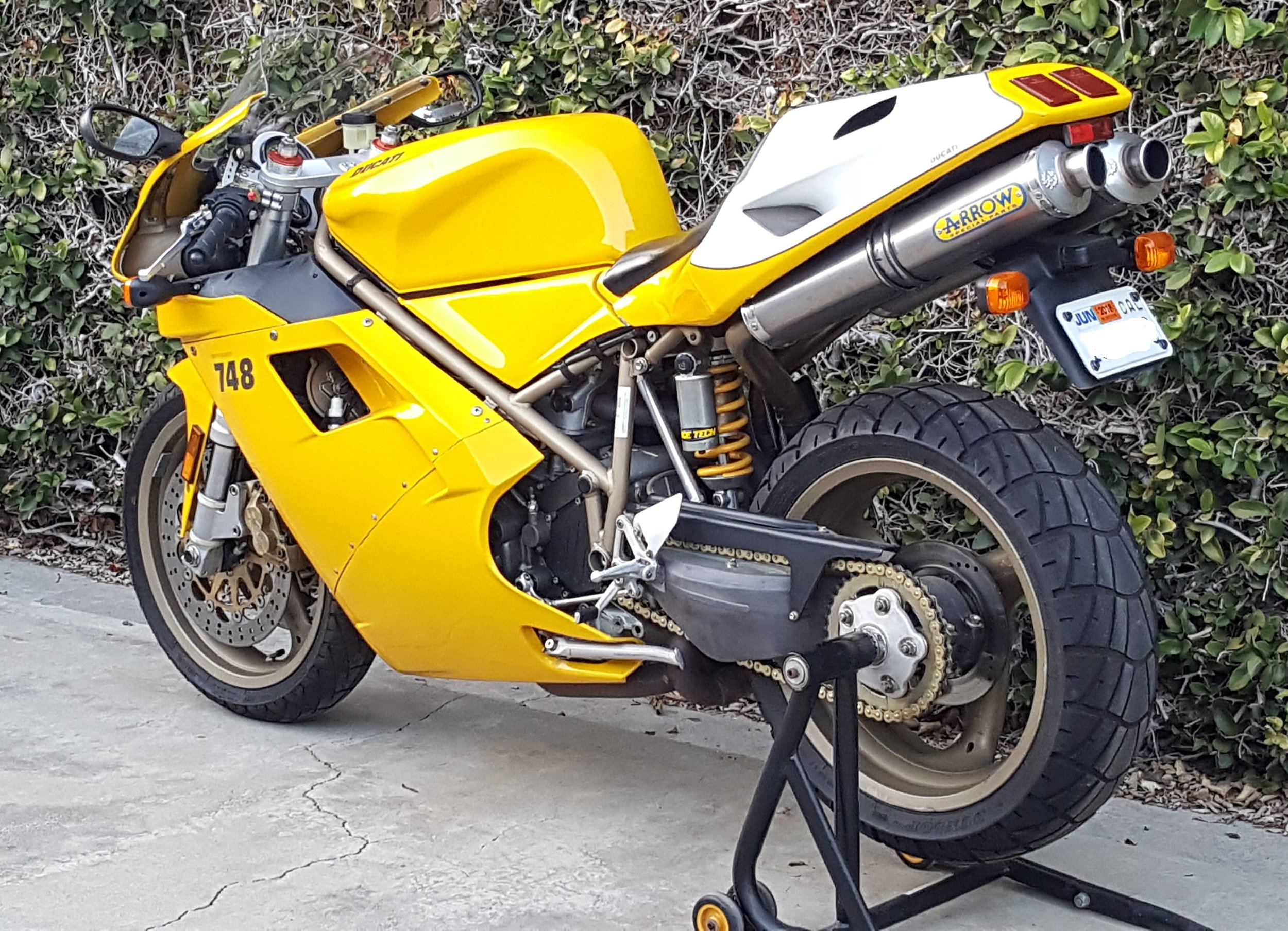 2000 Ducati 748-916 Restored5.jpg