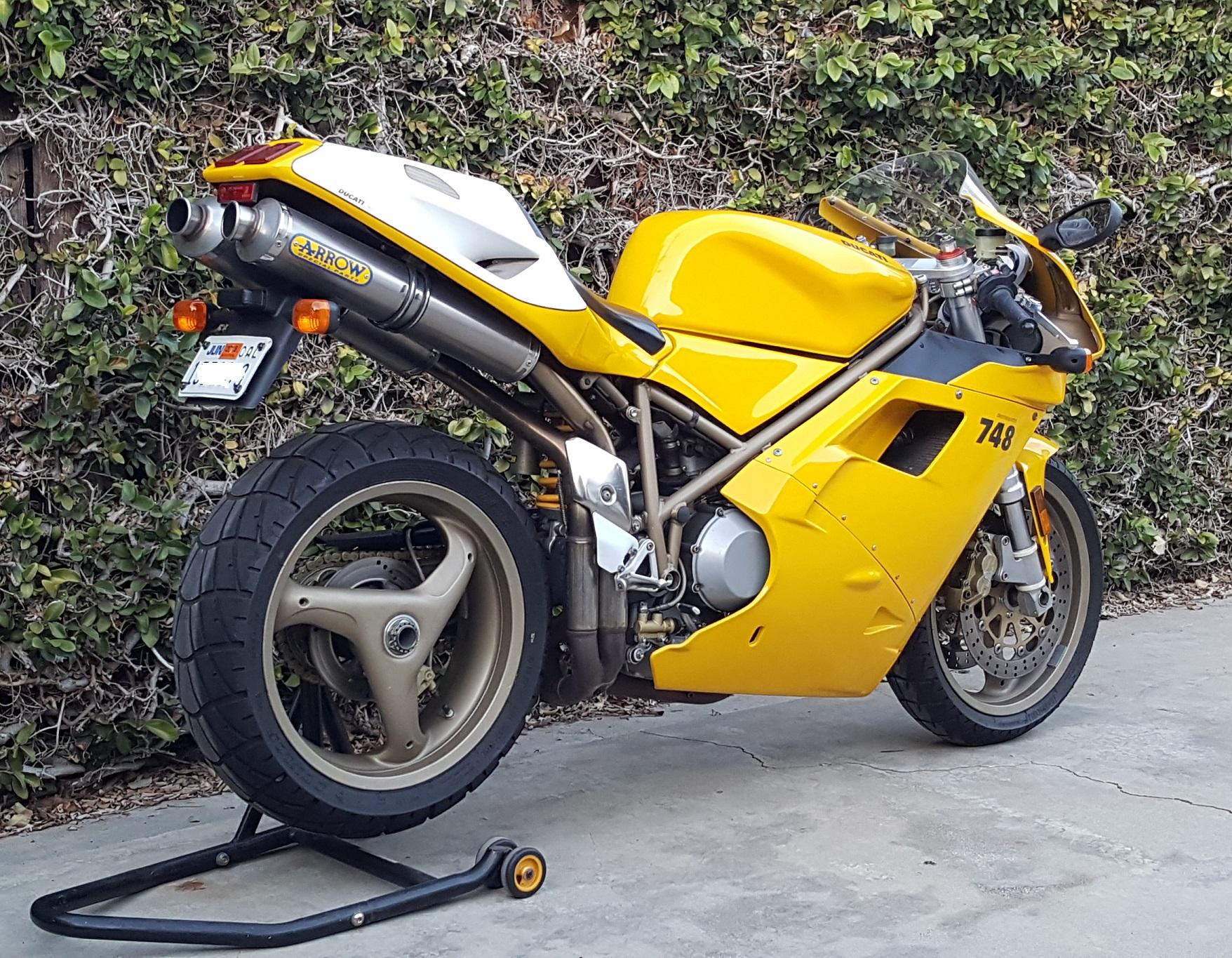 2000 Ducati 748-916 Restored7.jpg