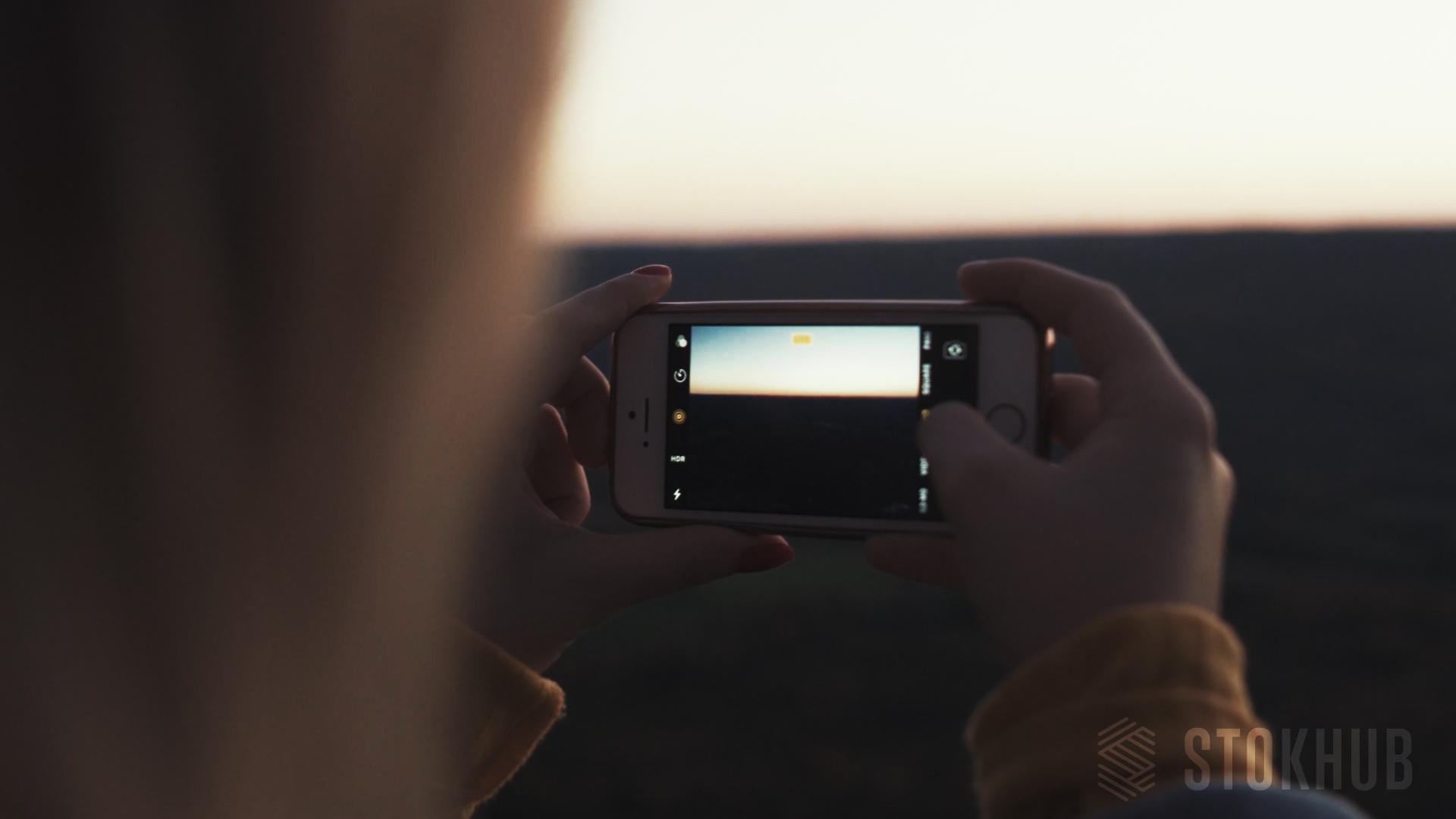 Stokhub-Iphone-1.jpg