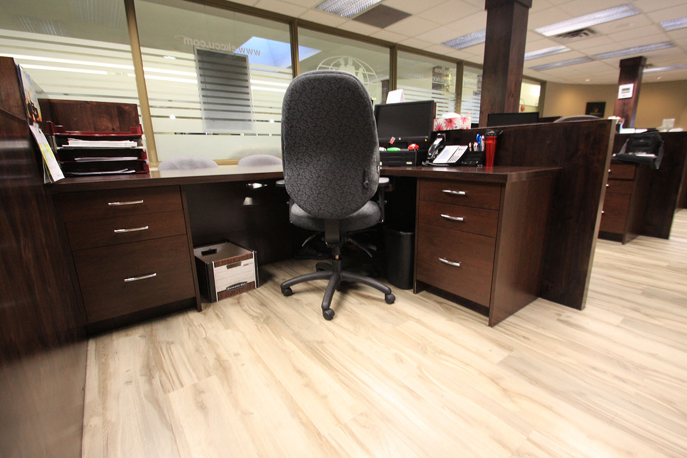 KIS_office_reception_cabinetry_003.jpg