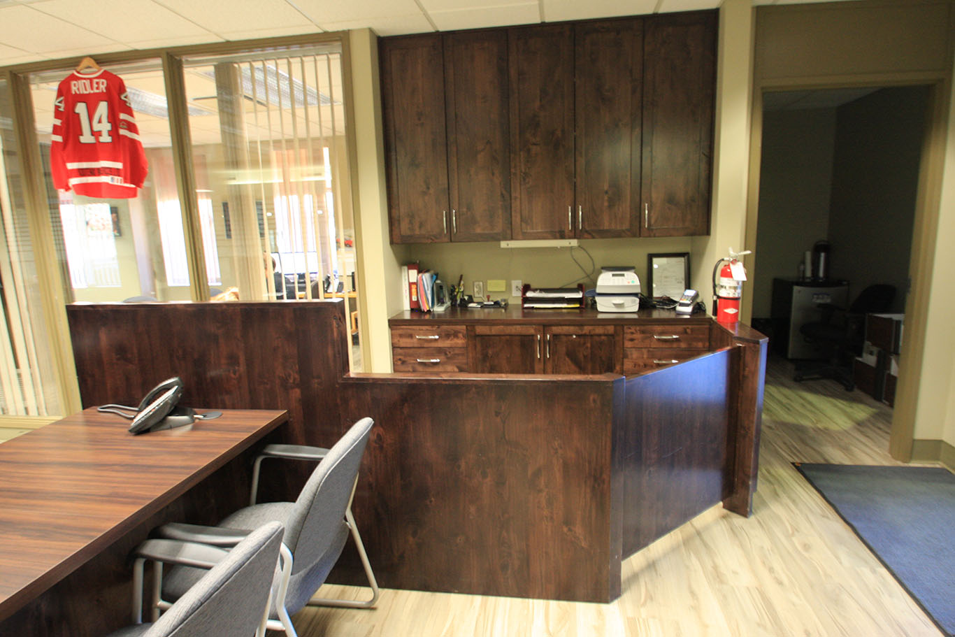 KIS_office_reception_cabinetry_007.jpg