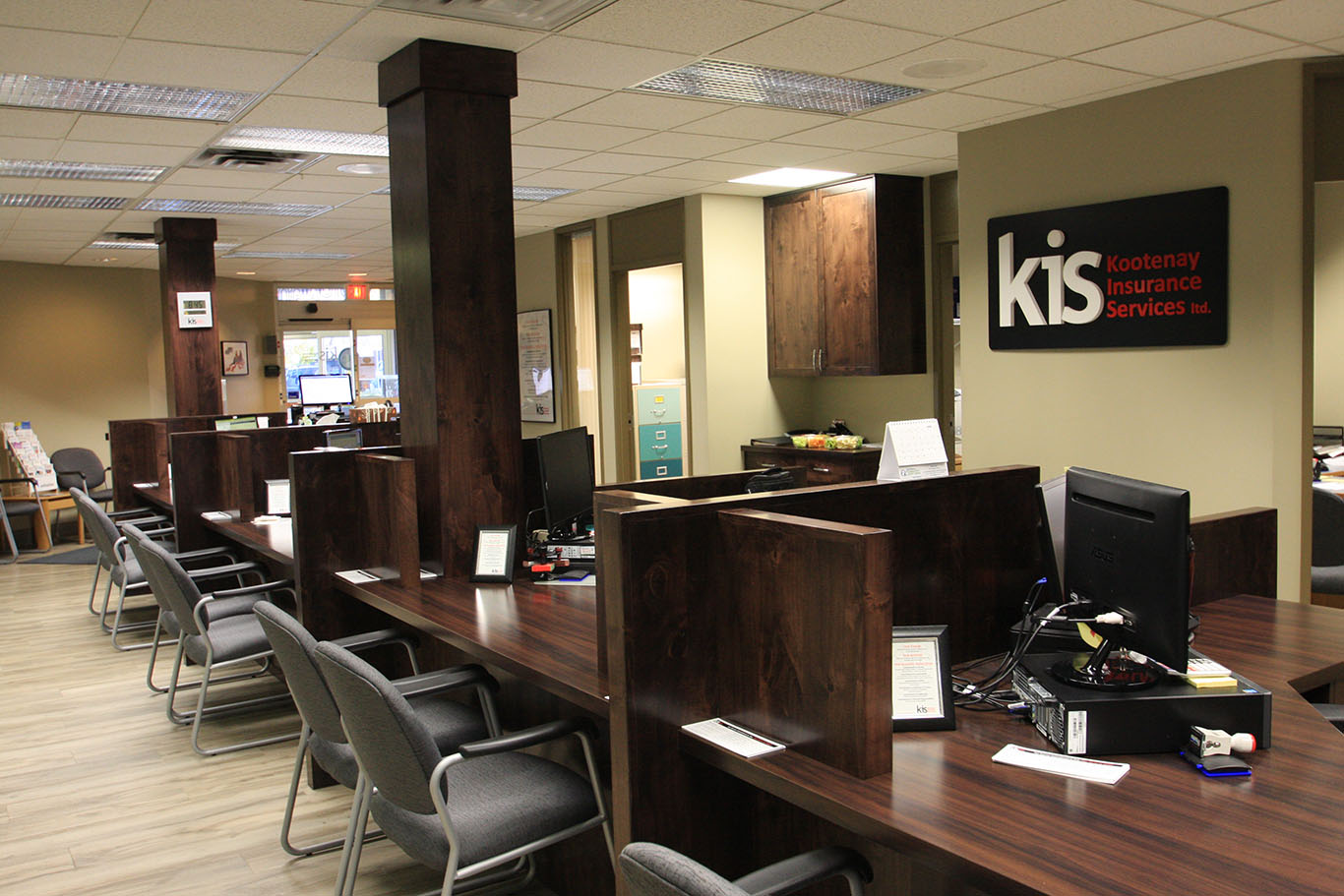 KIS_office_reception_cabinetry_011.jpg