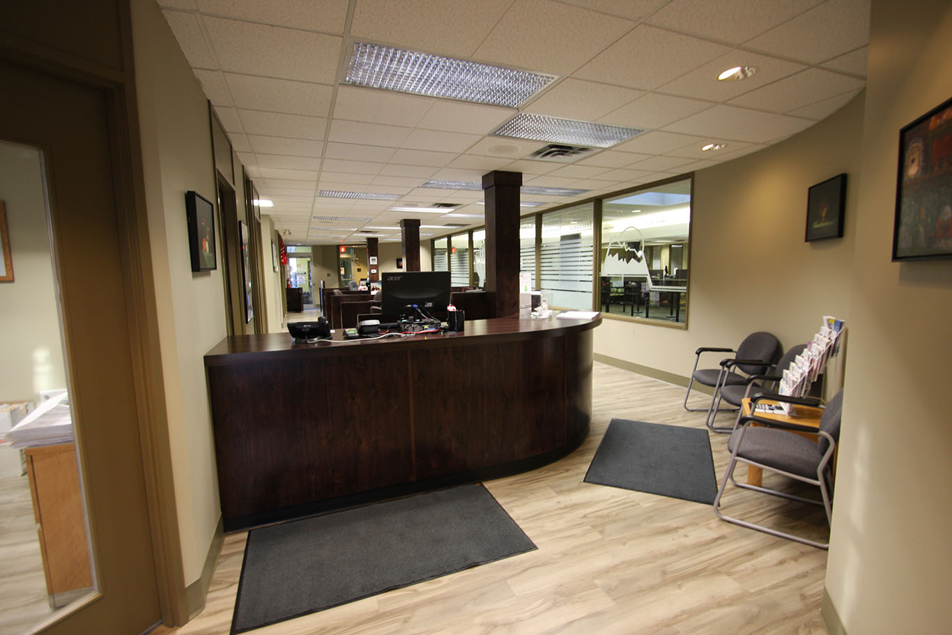 KIS_office_reception_cabinetry_010.jpg