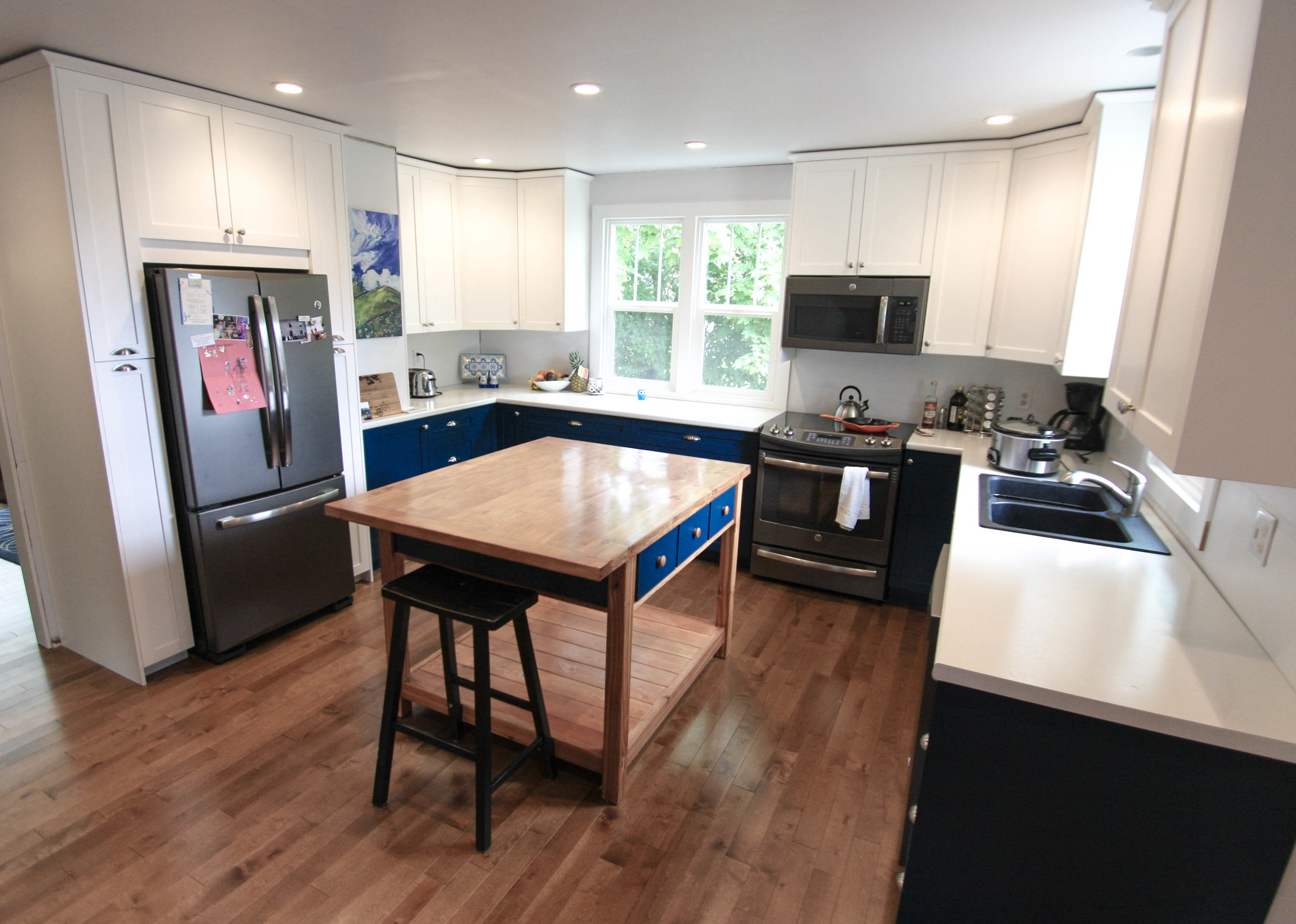 Custom Kitchen Cabinetry and Countertops
