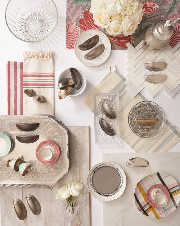 Amerock_Cabinet-Hardware_Kitchen-and-Bath_Design-Ideas_Inspiration_Ashby_Collection_Glam-Farmhouse-Trend_Design-Trend_Trend-Board_17_LR.jpg
