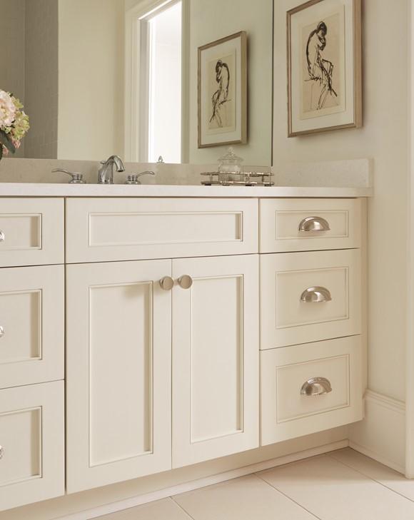 Polished-Nickel_Knobs-and-Cup-Pulls_Amerock_Cabinet-Hardware_Ashby-and-Blackrock_BP36640PN-BP55272PN_Bathroom_17.jpg