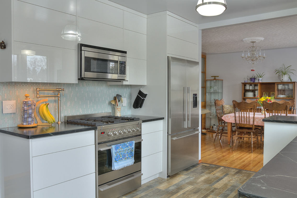 Modern high gloss white kitchen cabinetry