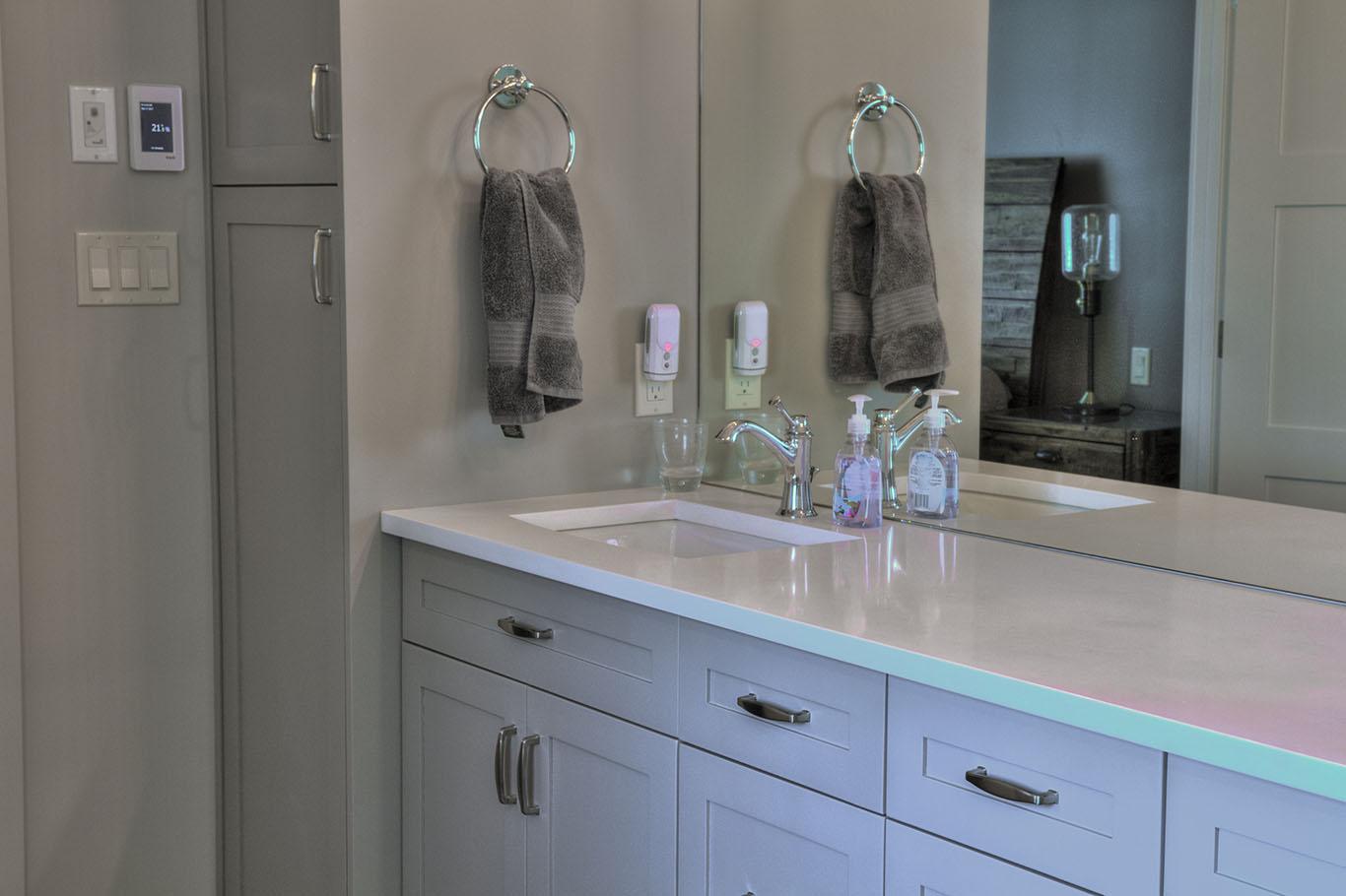 Invermere Master Bathroom Vanity