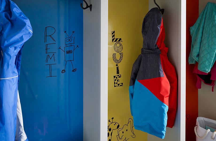 107-8795-matrix-blue-1485-chrome-yellow-2962-clementine-920x600.jpg