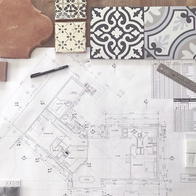Making plans 🙌  #interiordesign #interiordesigner #santabarbara #lovewhereyoulive #lovewhatyoudo #fridays