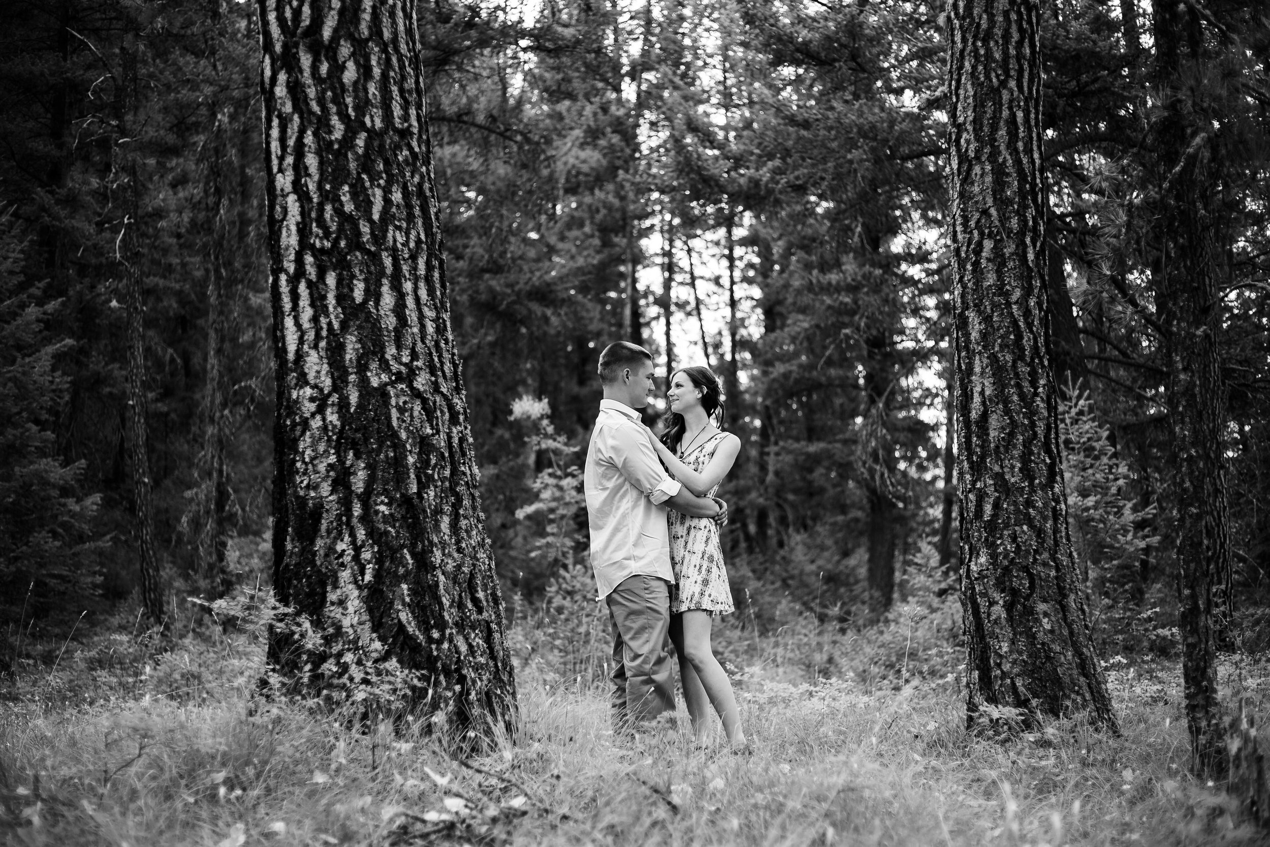 engagement-photographer-missoula-montana-27.jpg