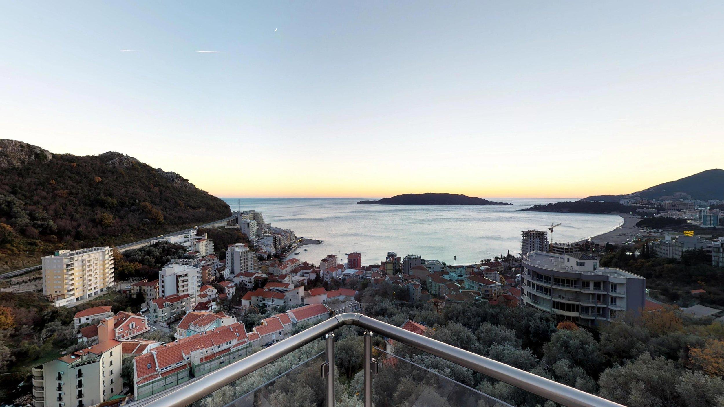 Penthouse-for-sale-in-rafailovice-Montenegro-(01).jpg