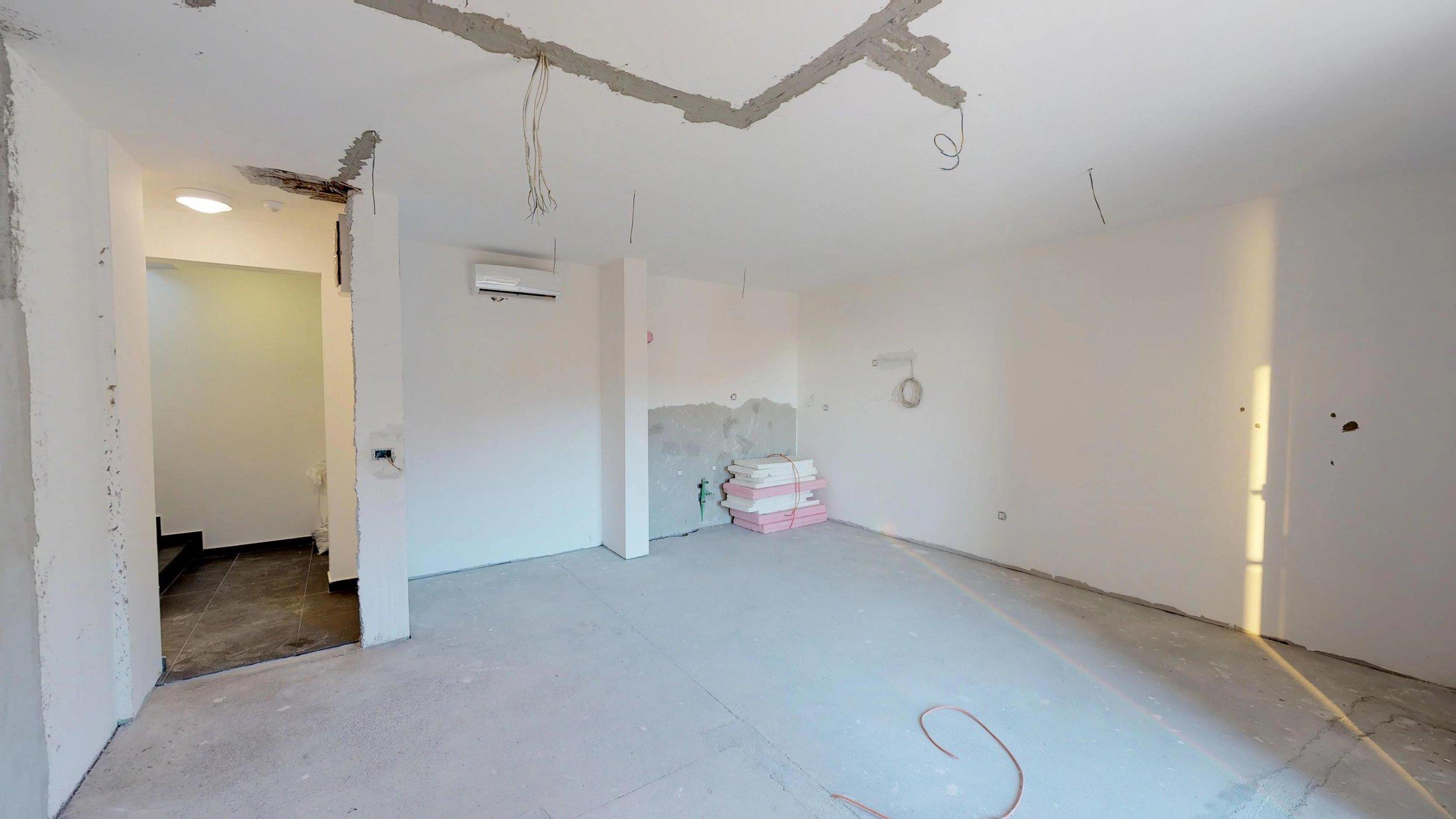 Penthouse-for-sale-in-rafailovice-Montenegro-(7).jpg