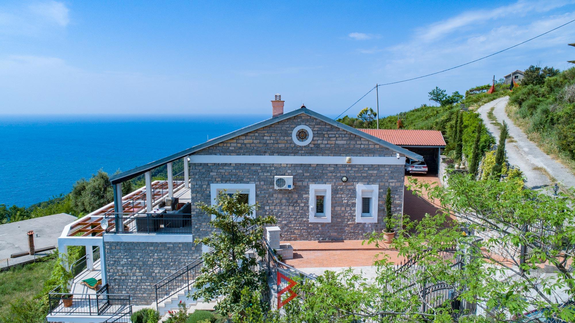 luxury-villa-for-rent-budva-montenegro (16).jpg