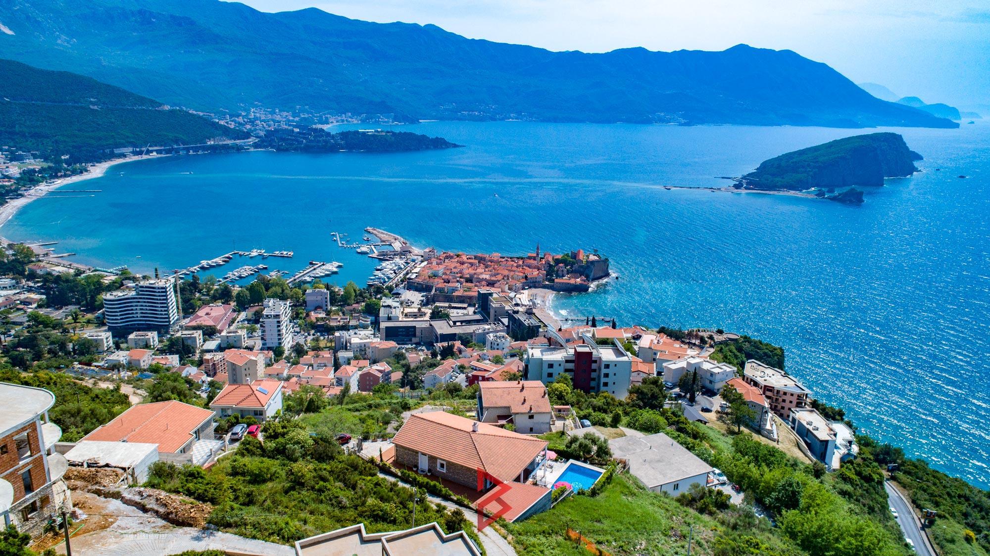 luxury-villa-for-rent-budva-montenegro (21).jpg