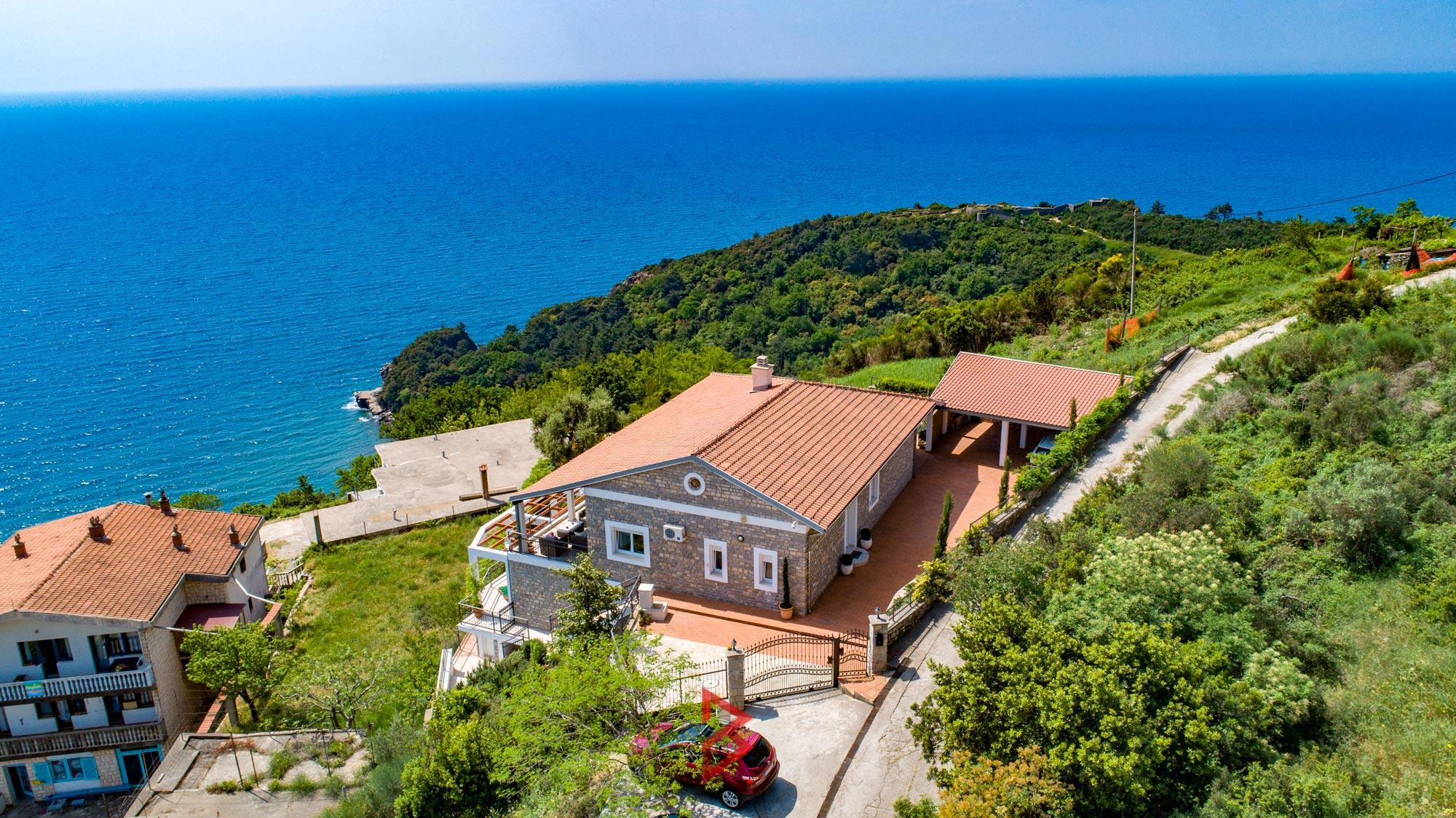 luxury-villa-for-rent-budva-montenegro (27).jpg