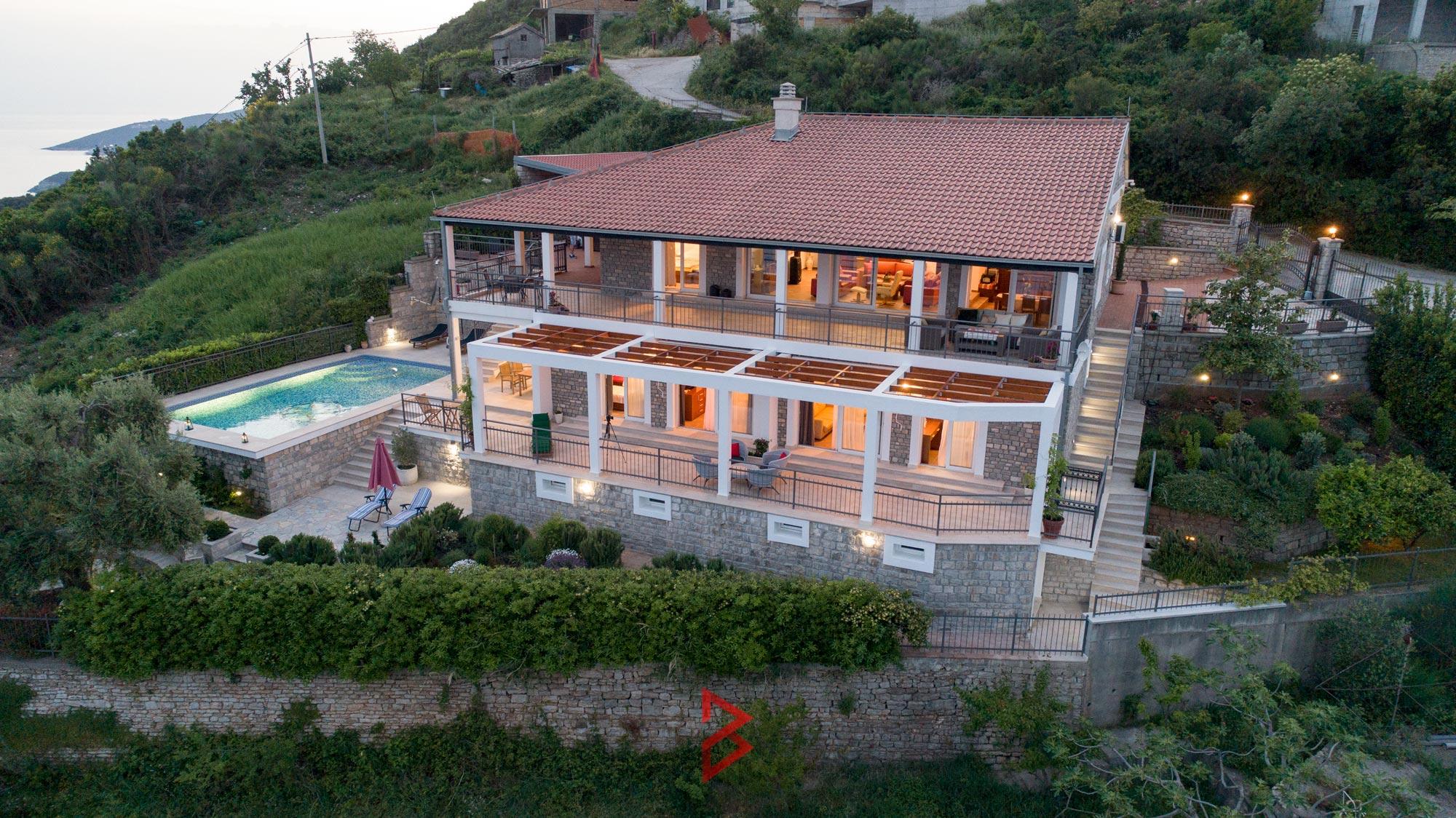 luxury-villa-for-rent-budva-montenegro (28).jpg