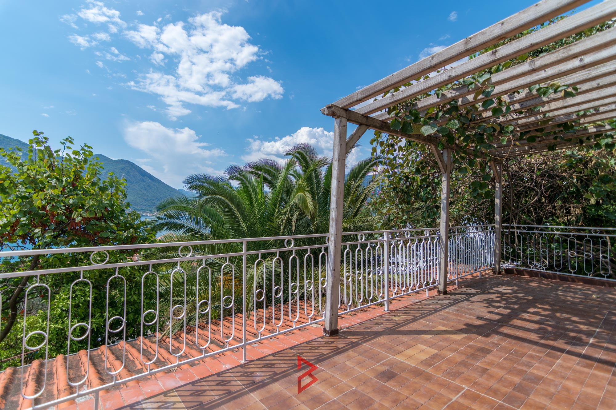Apartment for sale in Kotor