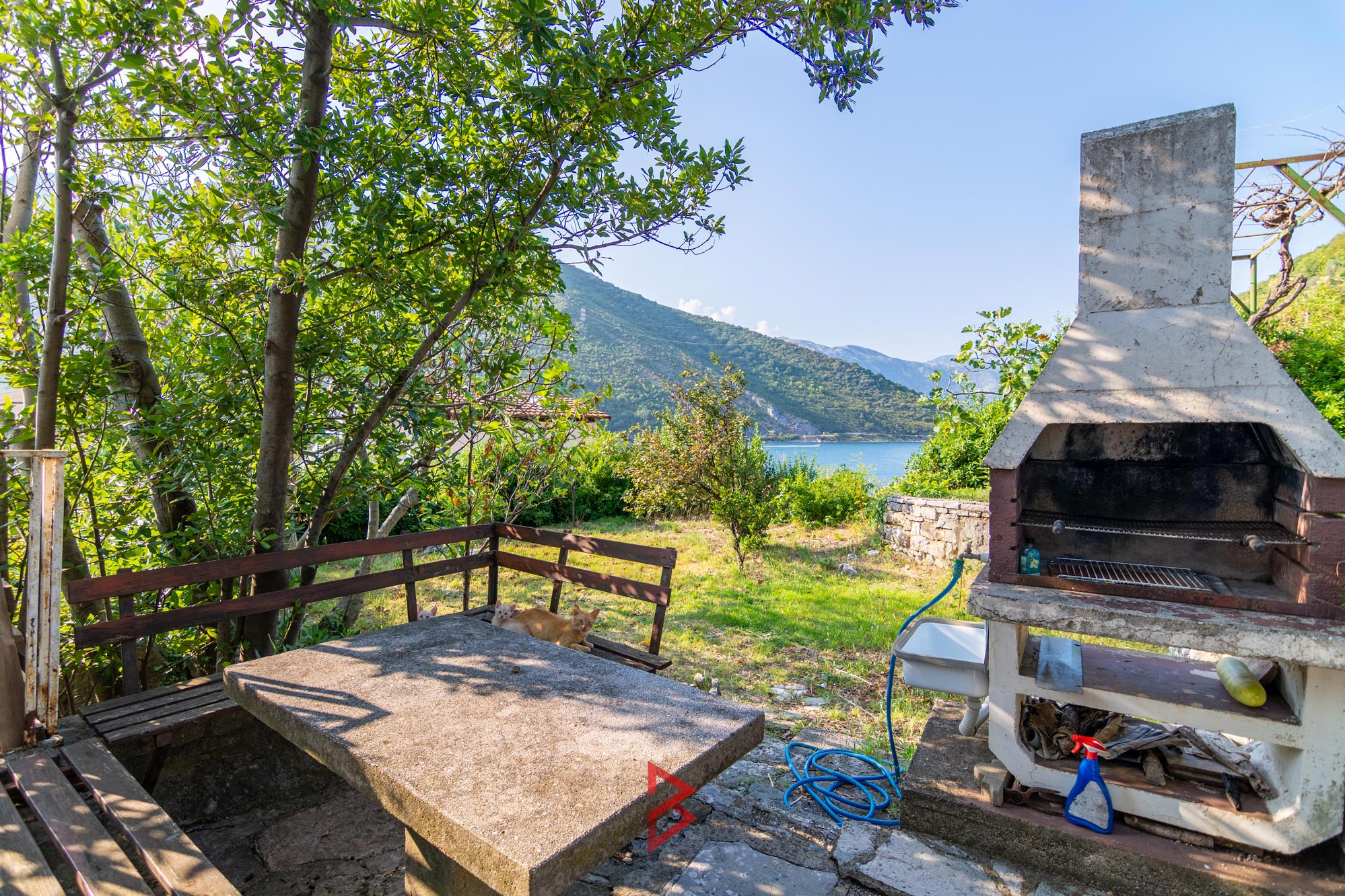 Stone house for sale in Tivat