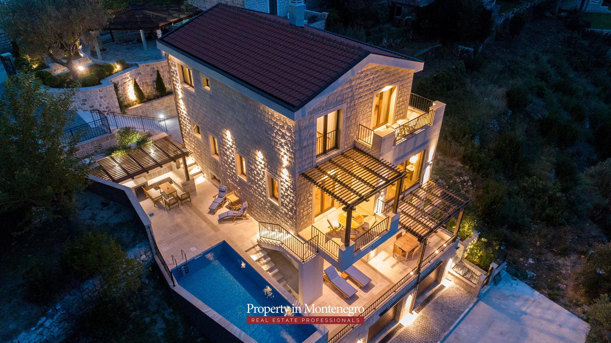 luxury-villa-with-swimming-pool-for-sale-in-Budva (33).jpg