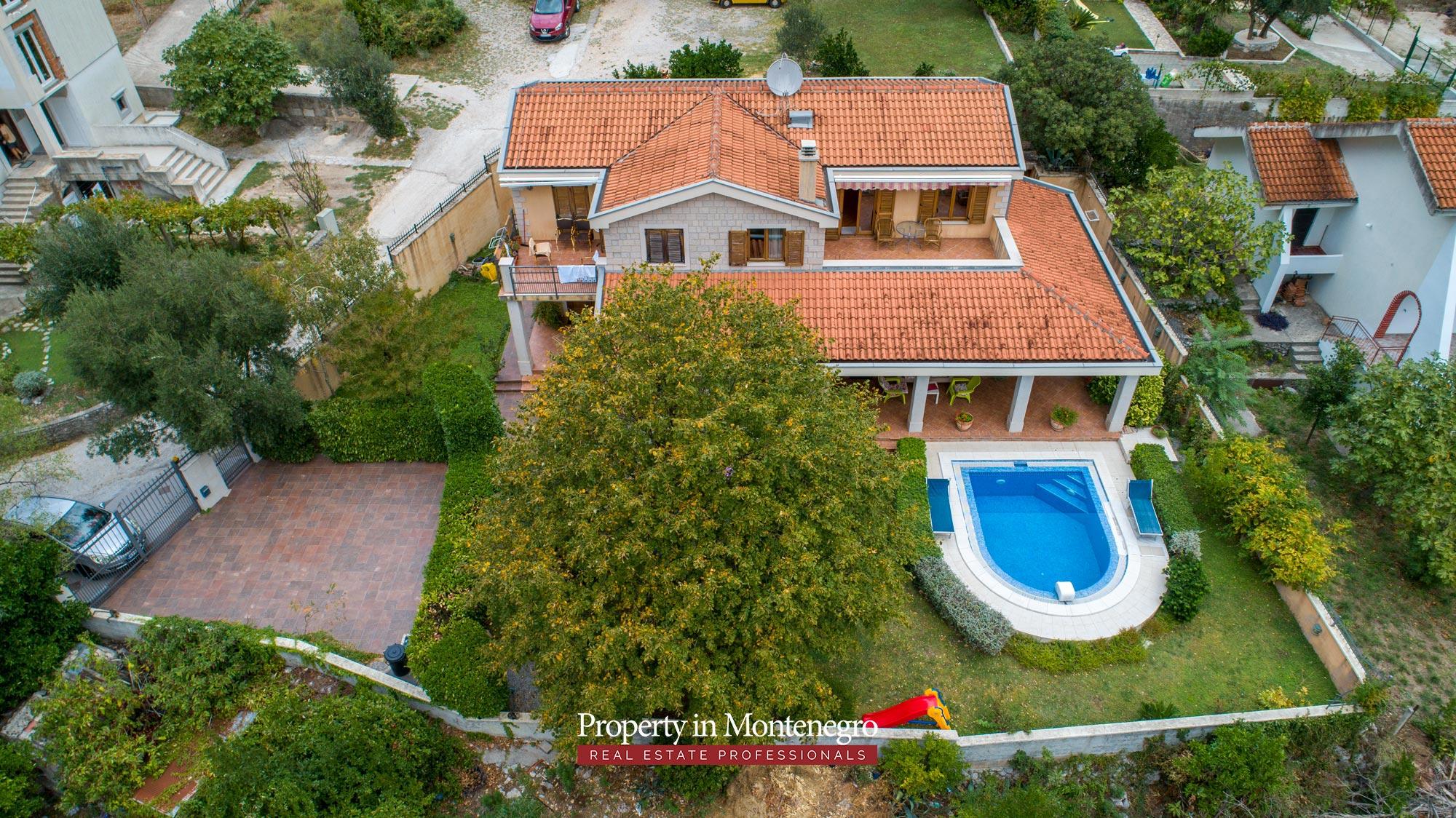 luxury-house-for-sale-in-Bay-of-Kotor (6).jpg