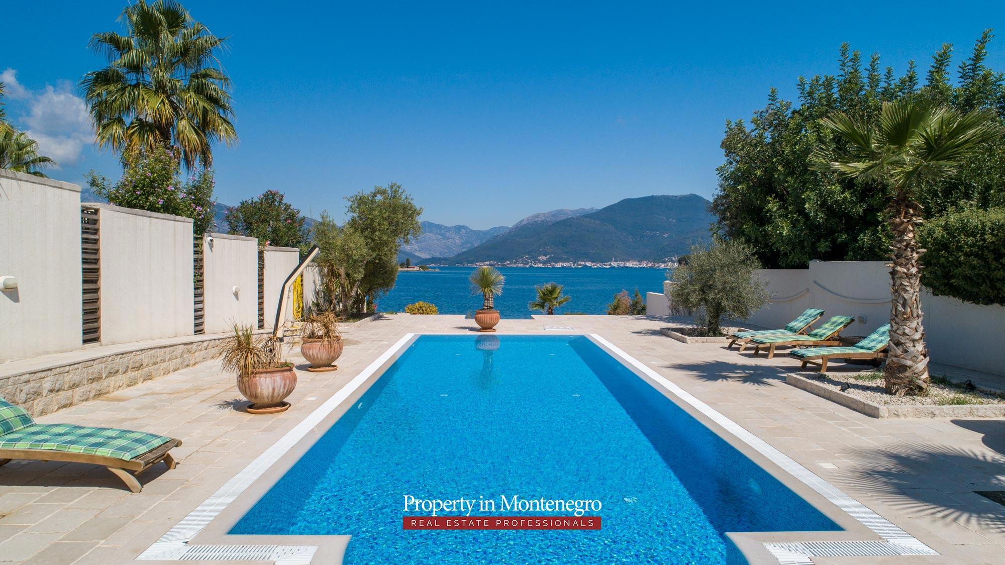 First-line-luxury-villa-for-sale-in-Tivat (13).jpg