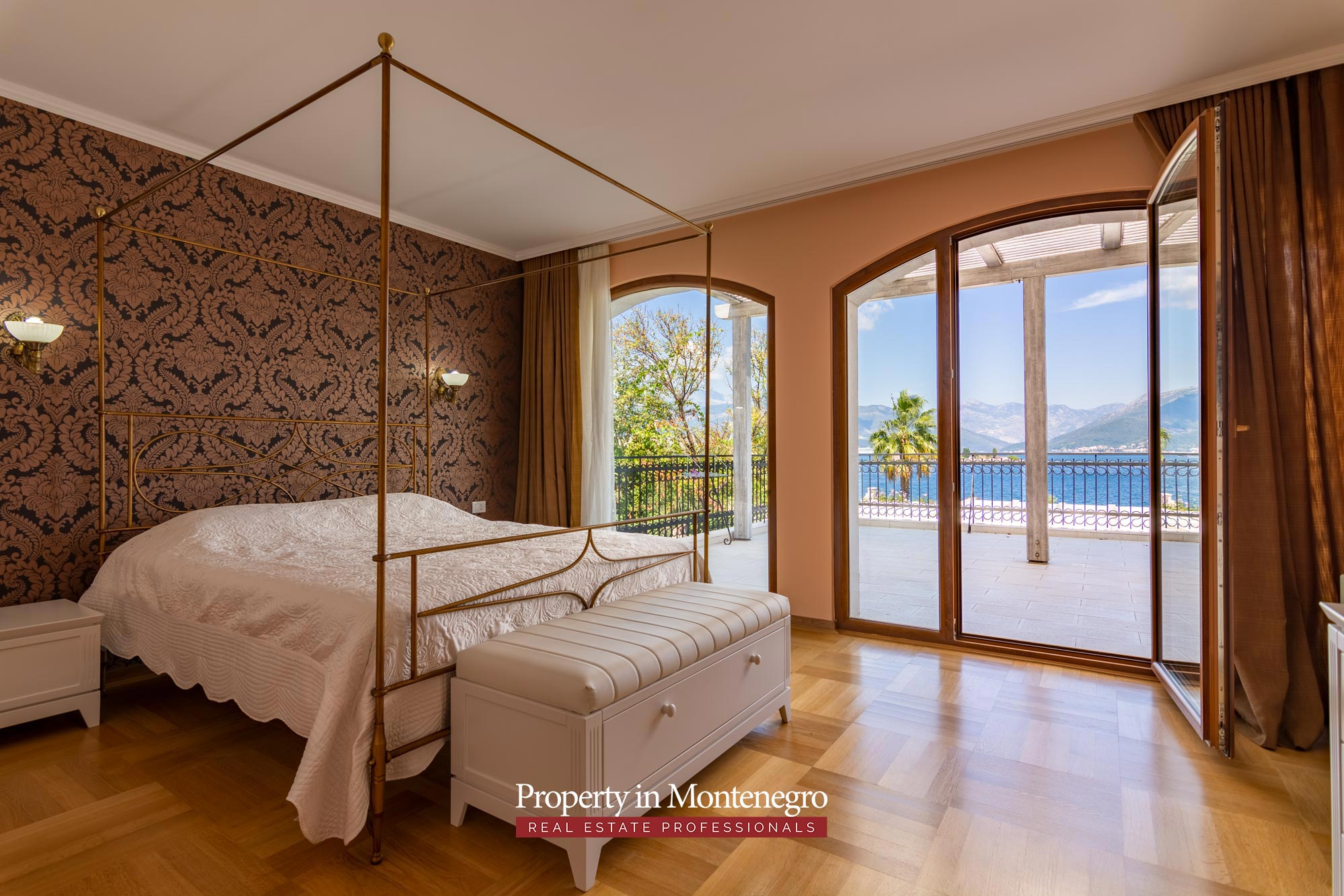 First line luxury villa for sale in Tivat