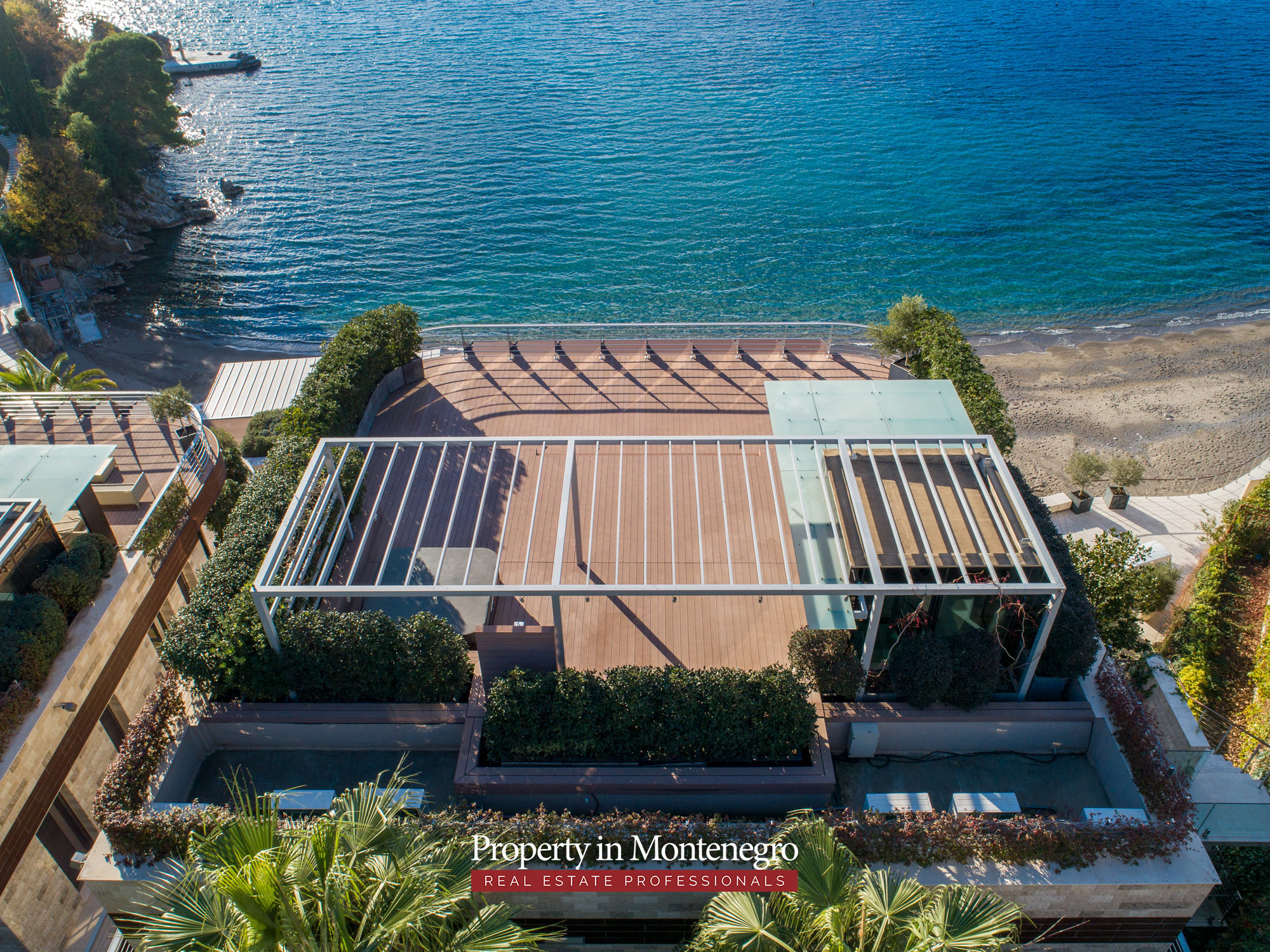 first-line-luxury-penthouse-for-sale-in-Budva-Montenegro-(1).jpg