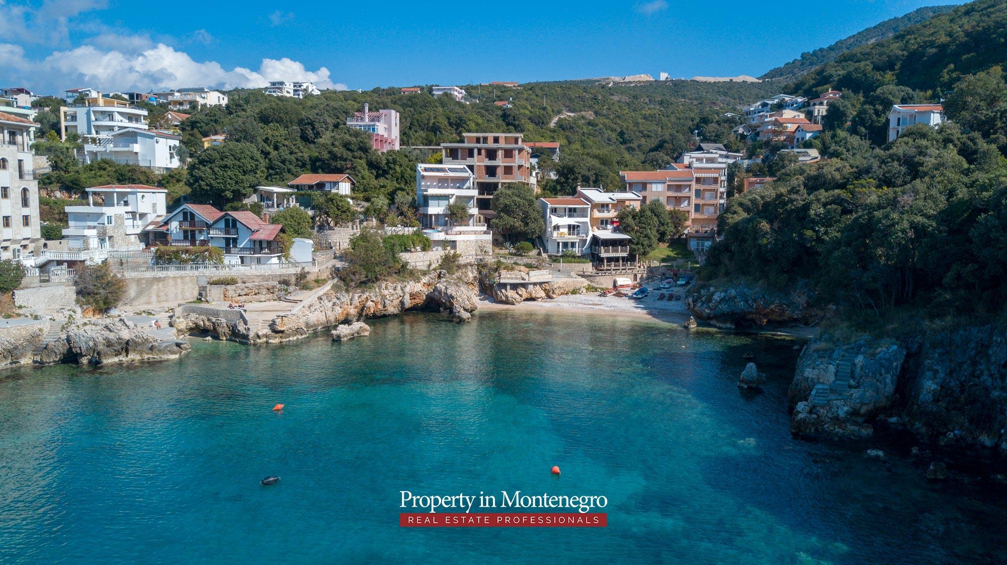 village-house-for-sale-in-hladna-uvala-real-estate-montenegro (3).jpg