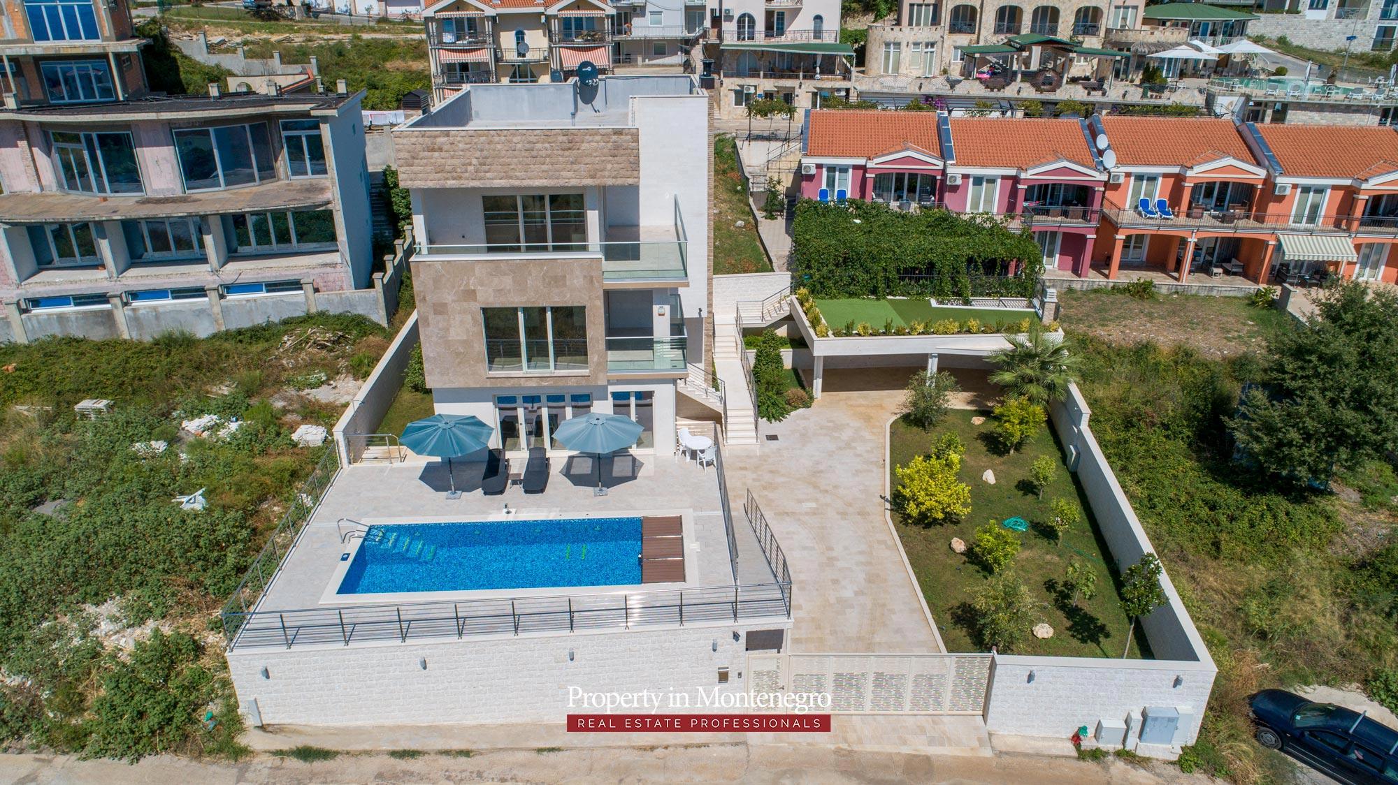 luxury-villa-with-swimming-pool-for-sale-in-Budva (1).jpg