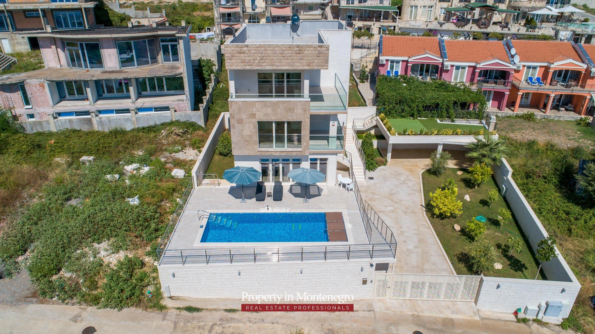 luxury-villa-with-swimming-pool-for-sale-in-Budva (12).jpg