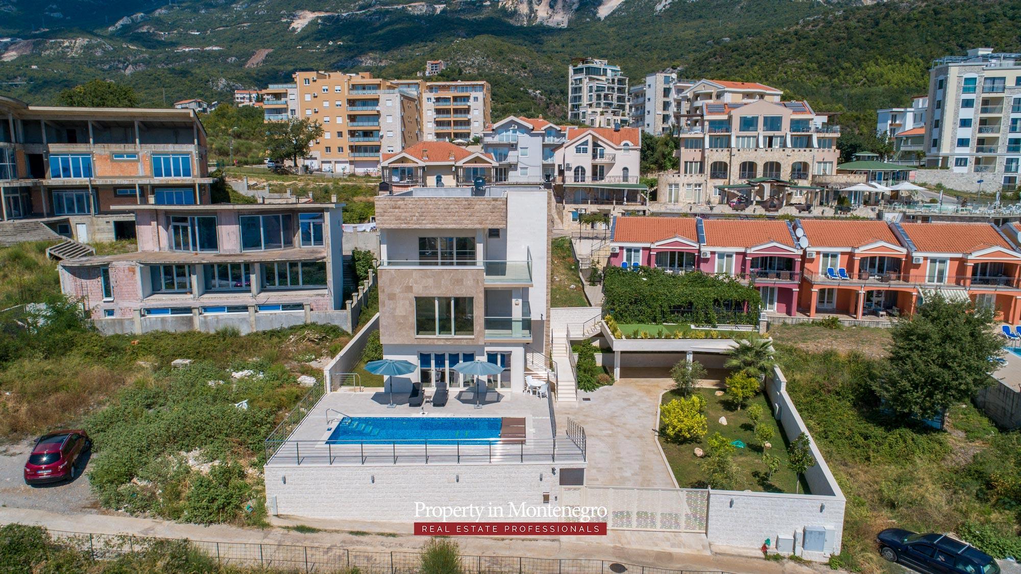 luxury-villa-with-swimming-pool-for-sale-in-Budva (45).jpg