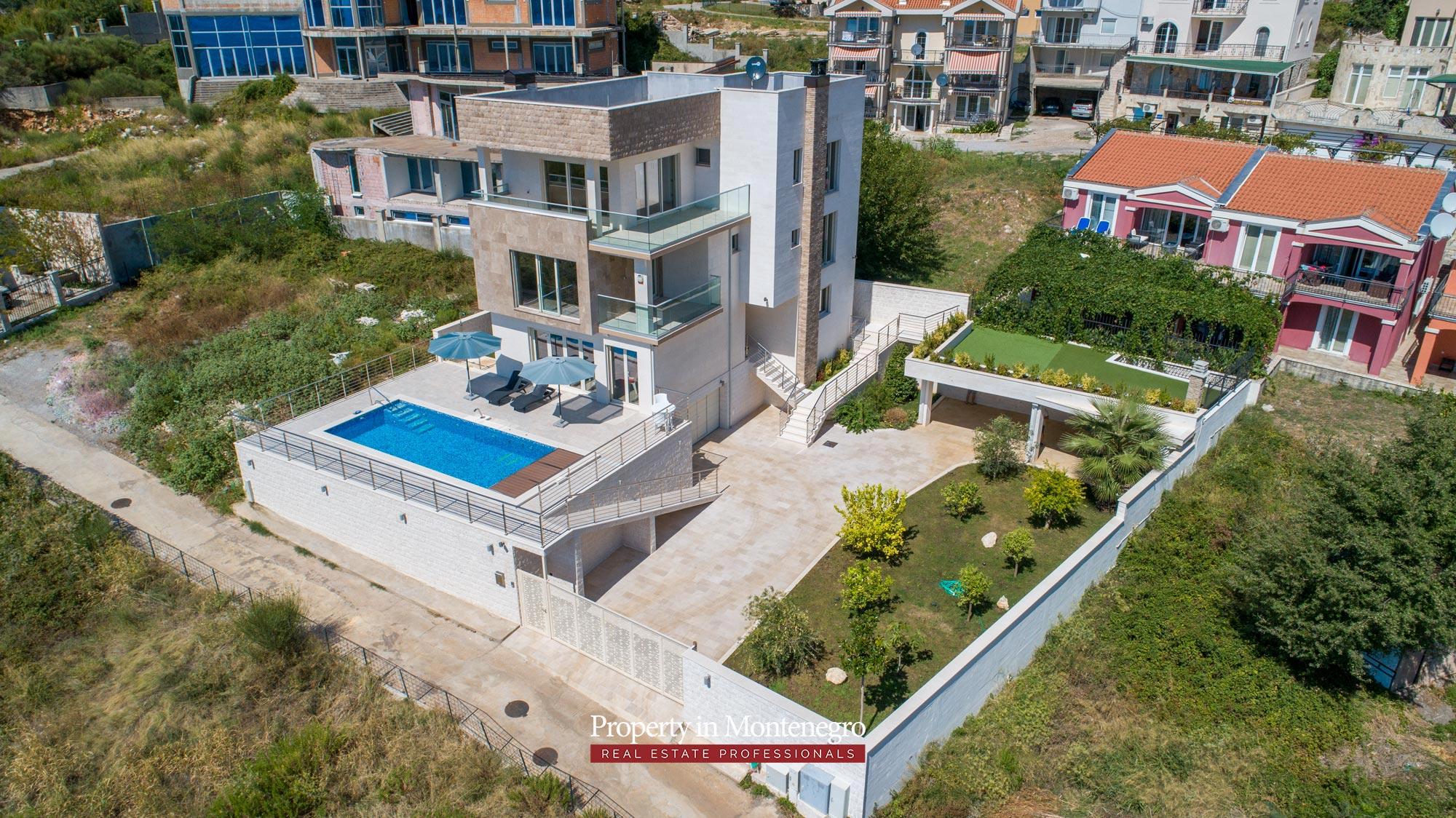 luxury-villa-with-swimming-pool-for-sale-in-Budva (46).jpg